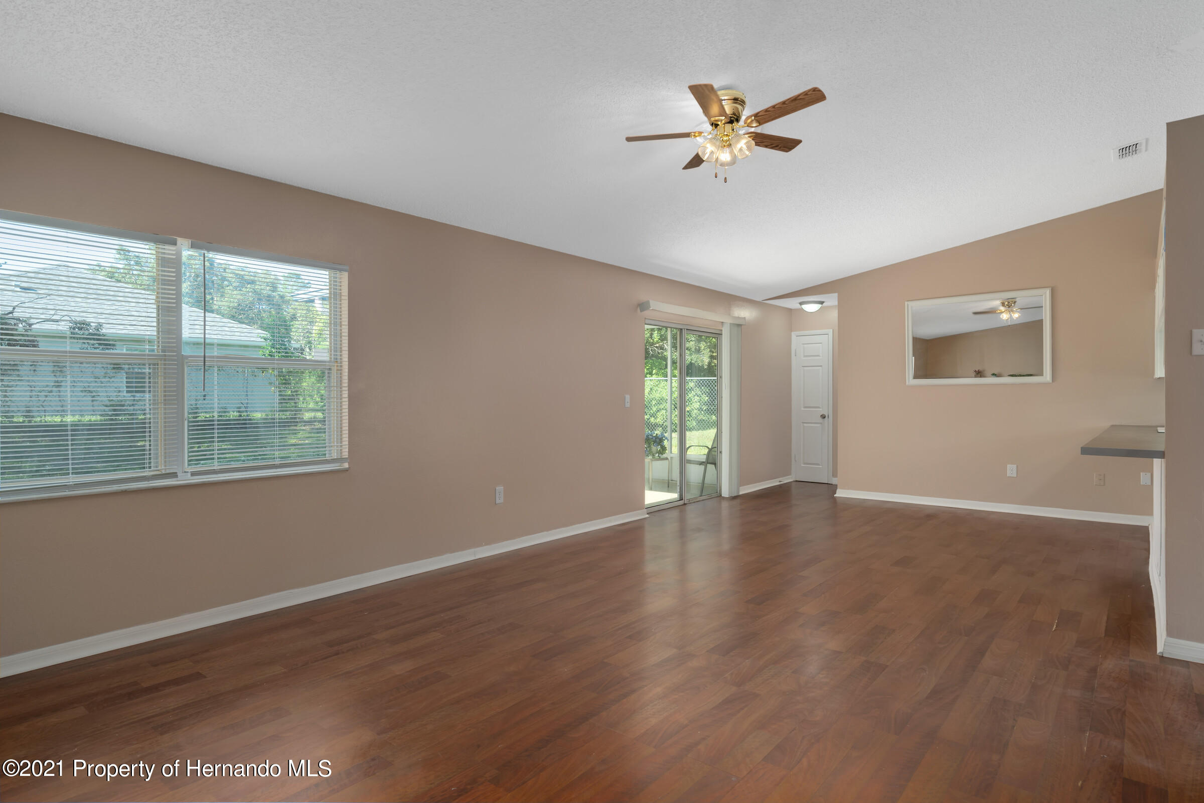 Image 9 of 26 For 10364 Clarion Street