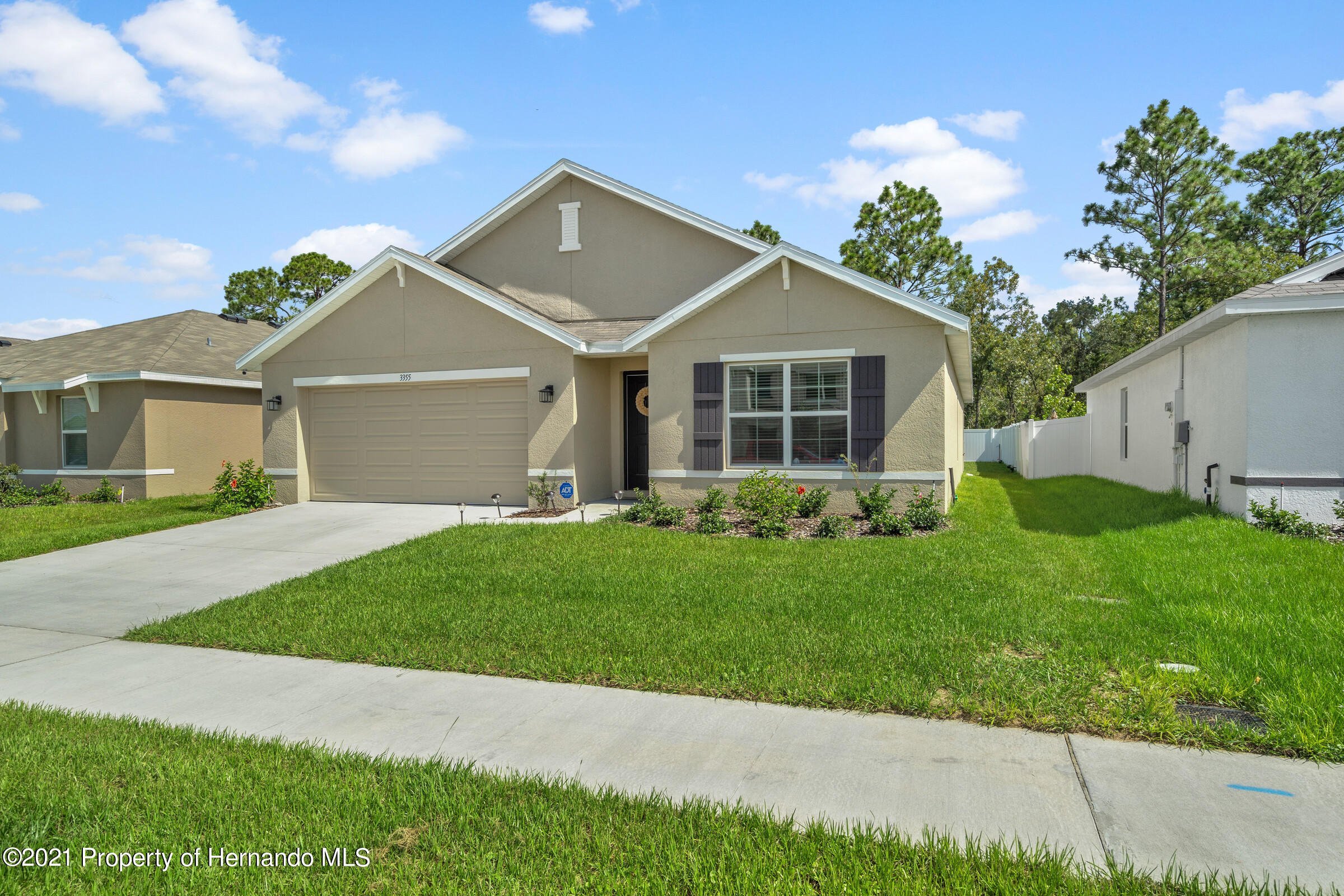 Listing photo id 3 for 3355 Autumn Amber Drive