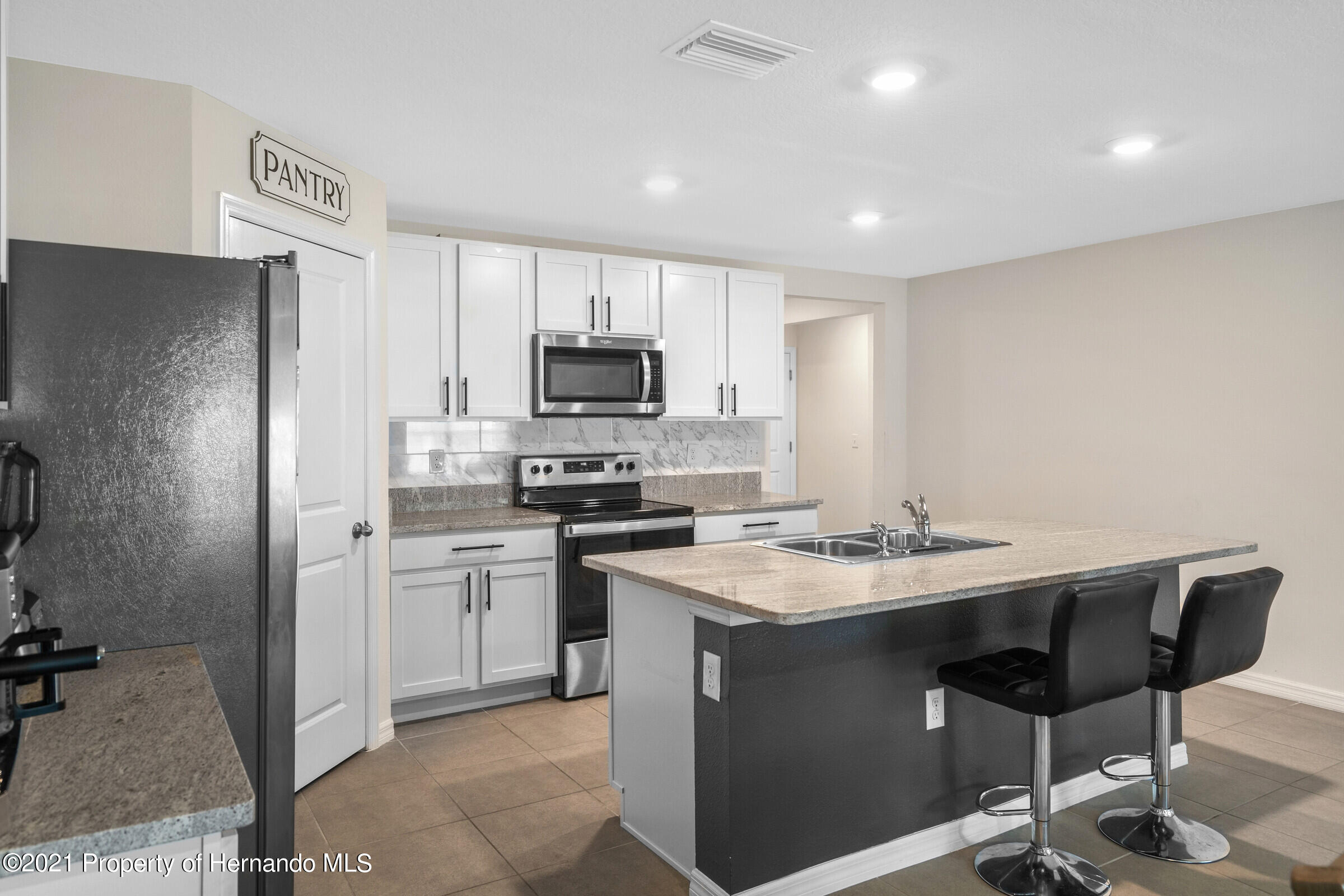 Listing photo id 14 for 3355 Autumn Amber Drive