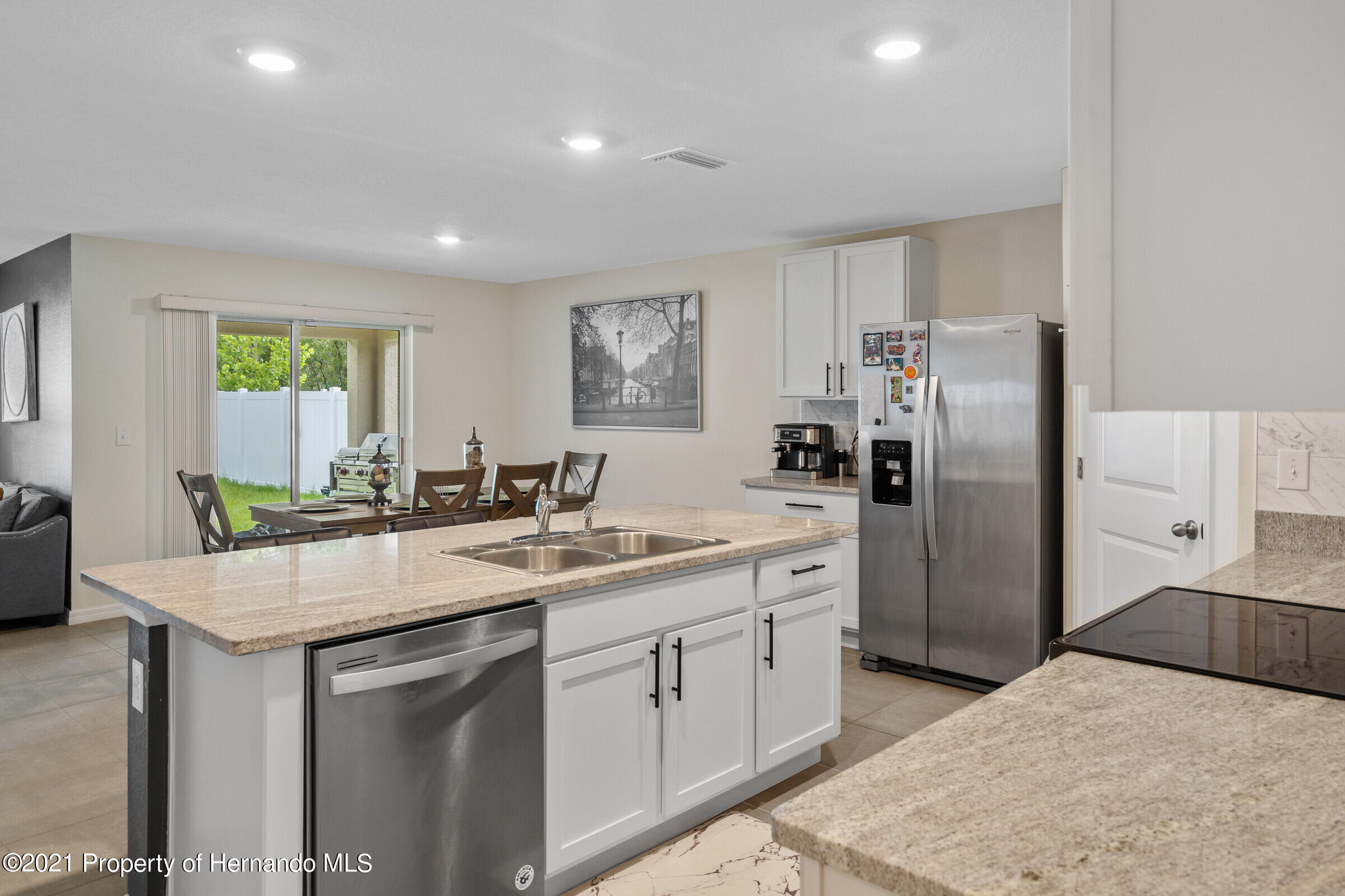 Listing photo id 15 for 3355 Autumn Amber Drive