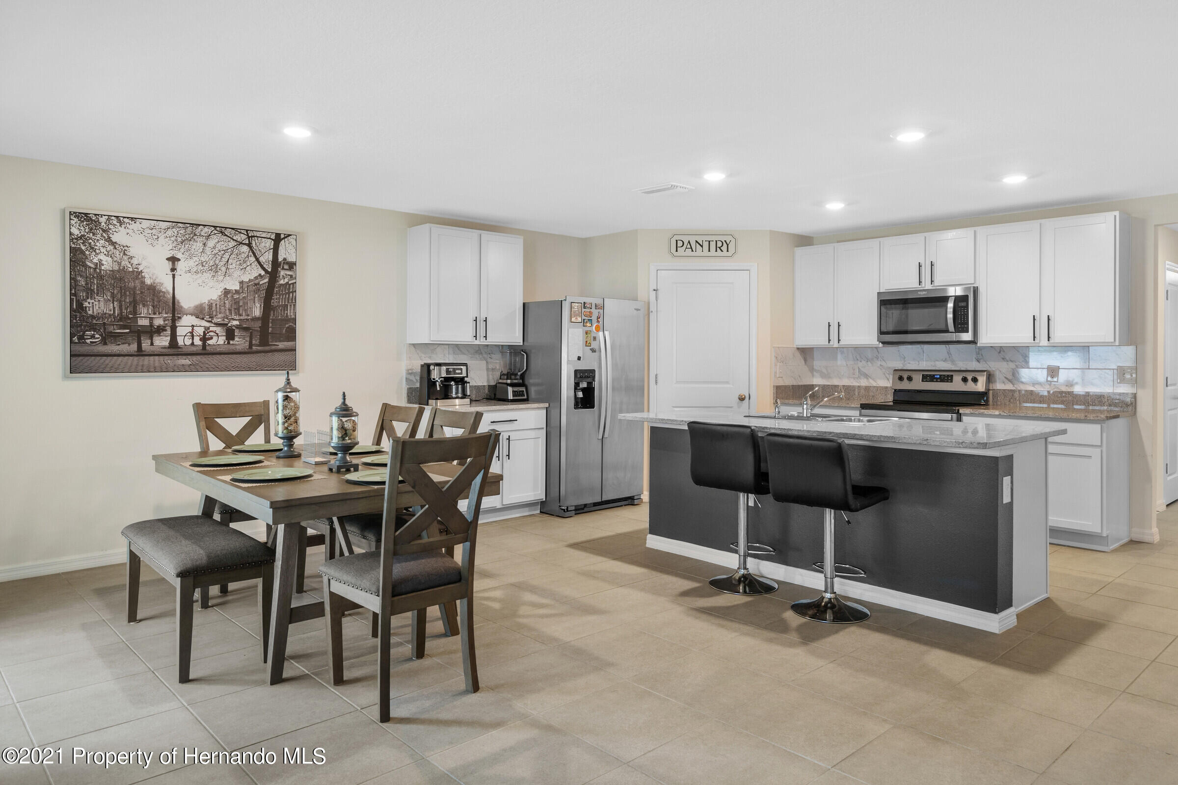 Listing photo id 16 for 3355 Autumn Amber Drive