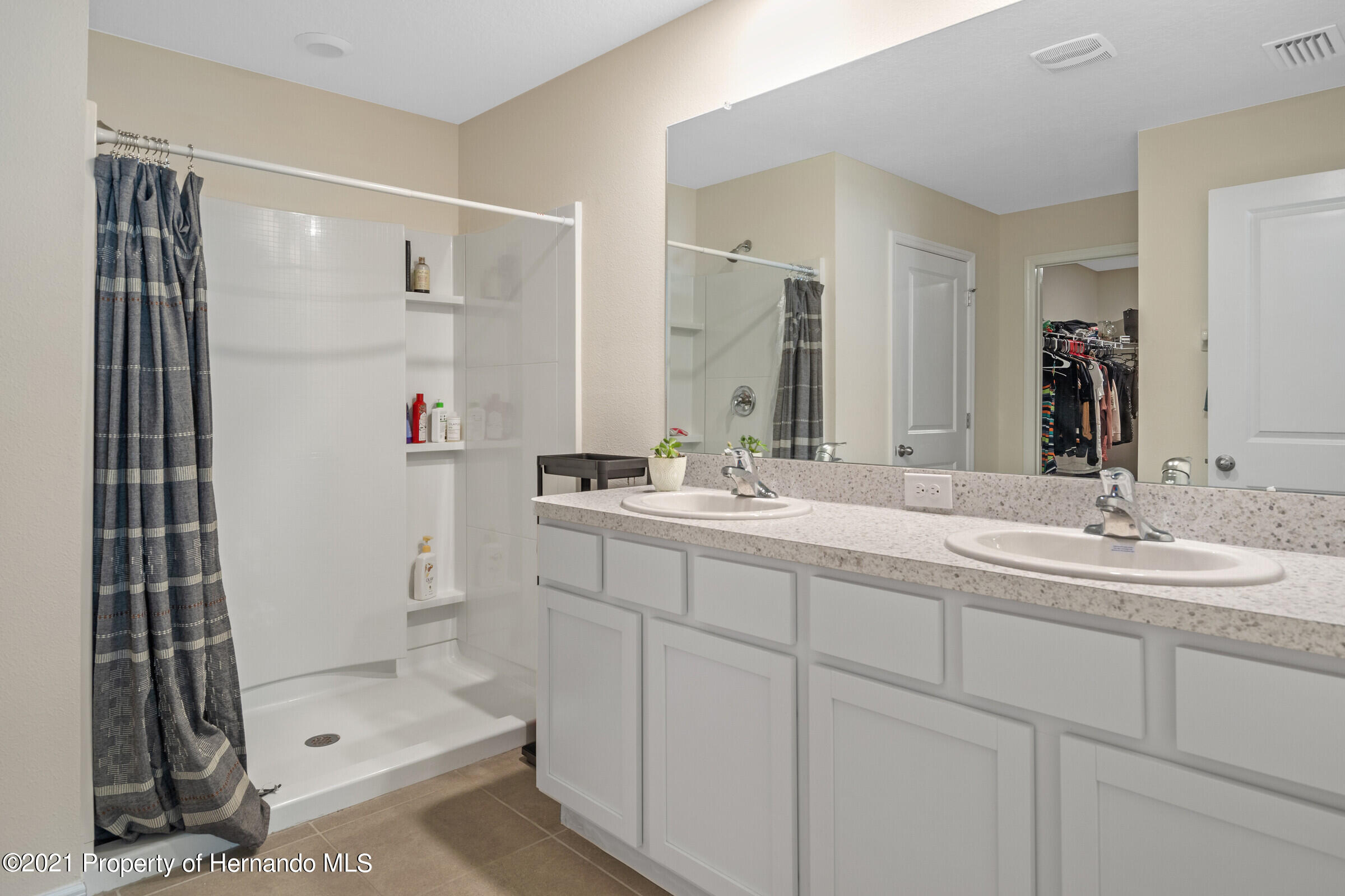 Listing photo id 23 for 3355 Autumn Amber Drive