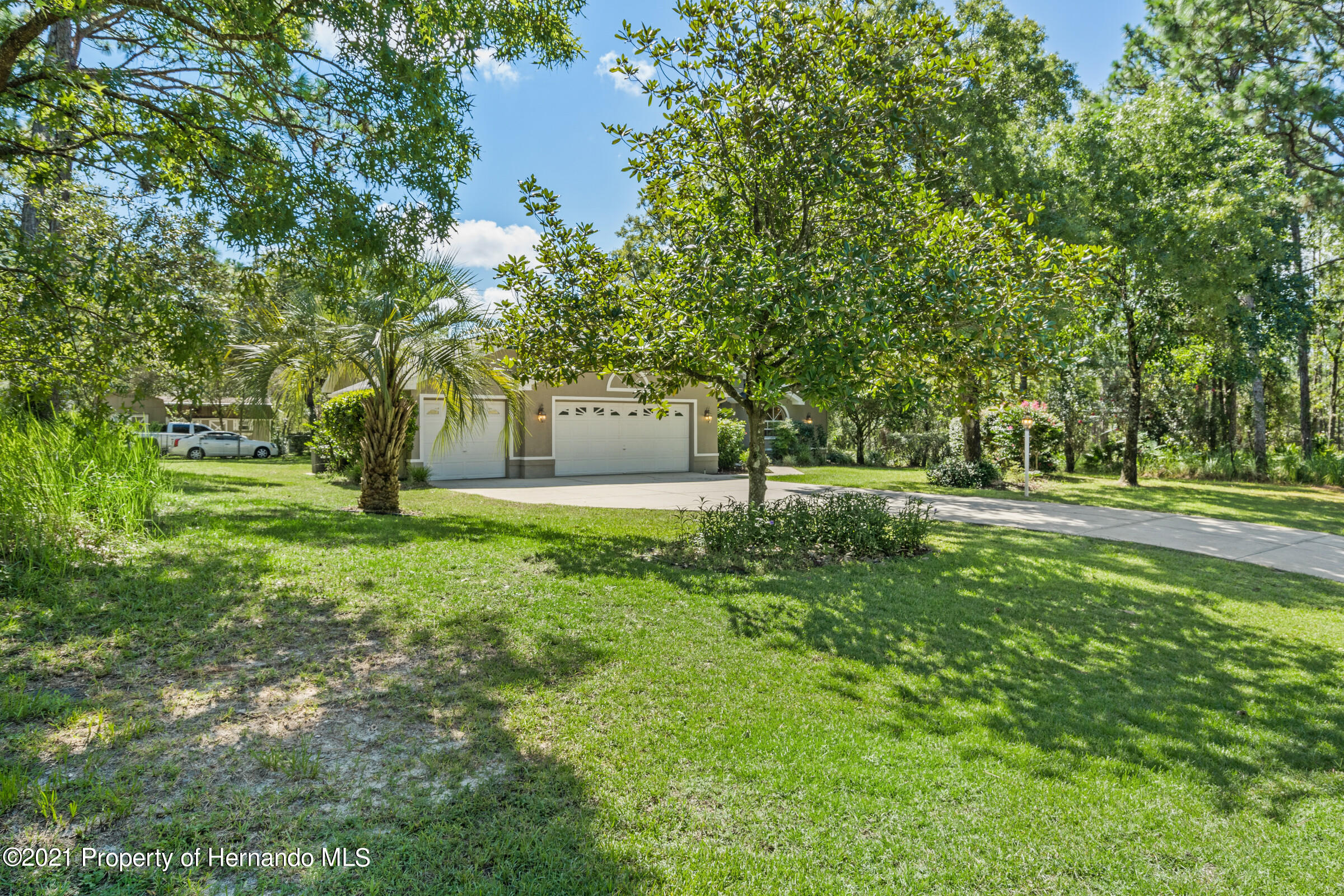 Listing photo id 11 for 4985 N Pink Poppy Drive