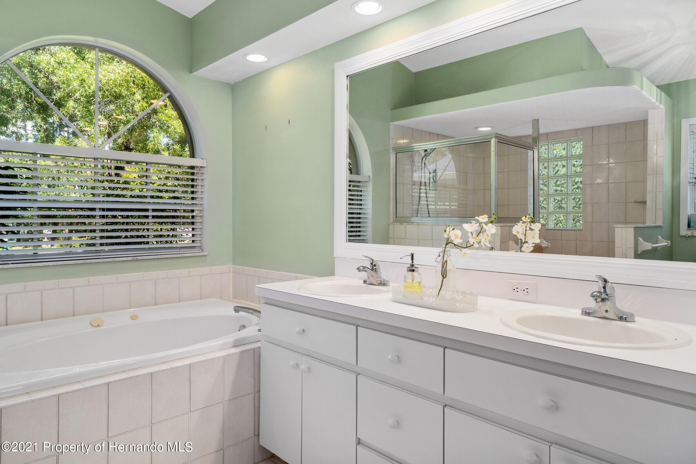 Listing photo id 27 for 4985 N Pink Poppy Drive