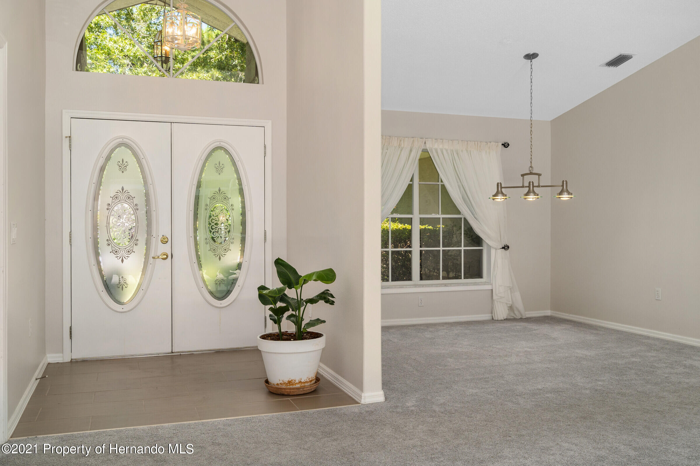 Listing photo id 12 for 4985 N Pink Poppy Drive