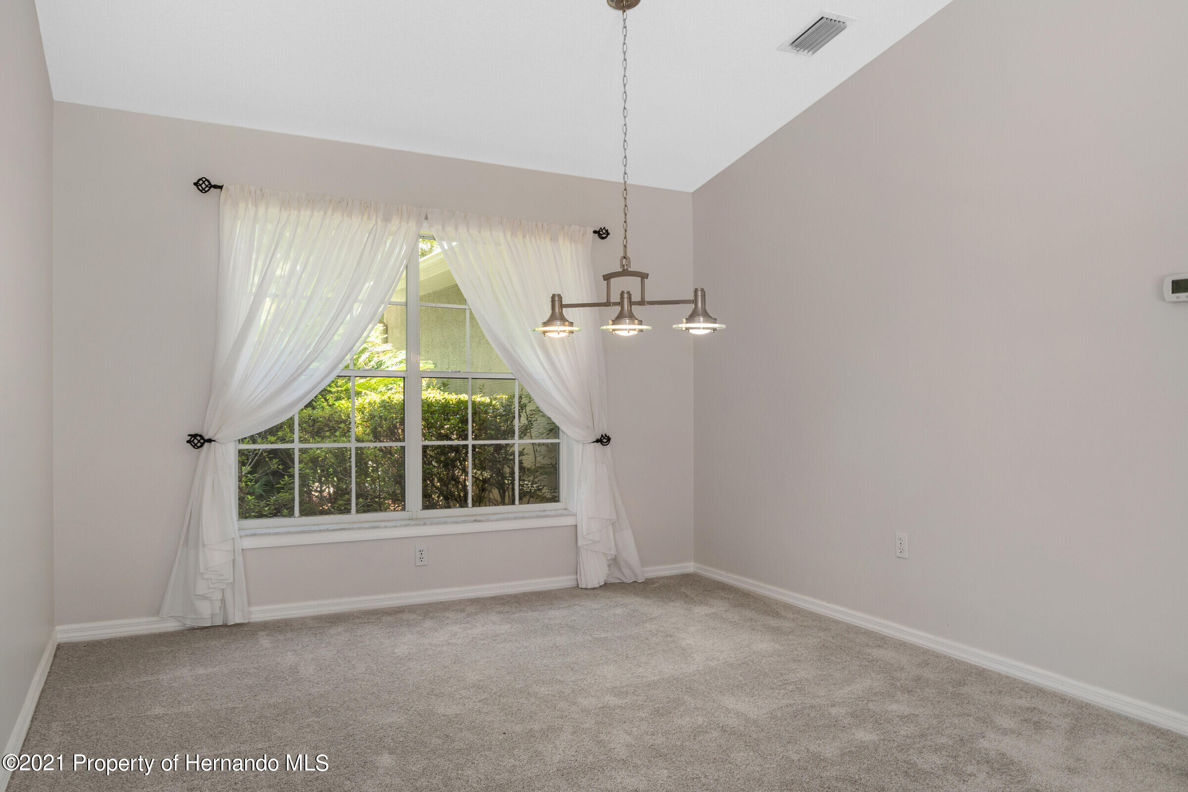 Listing photo id 14 for 4985 N Pink Poppy Drive