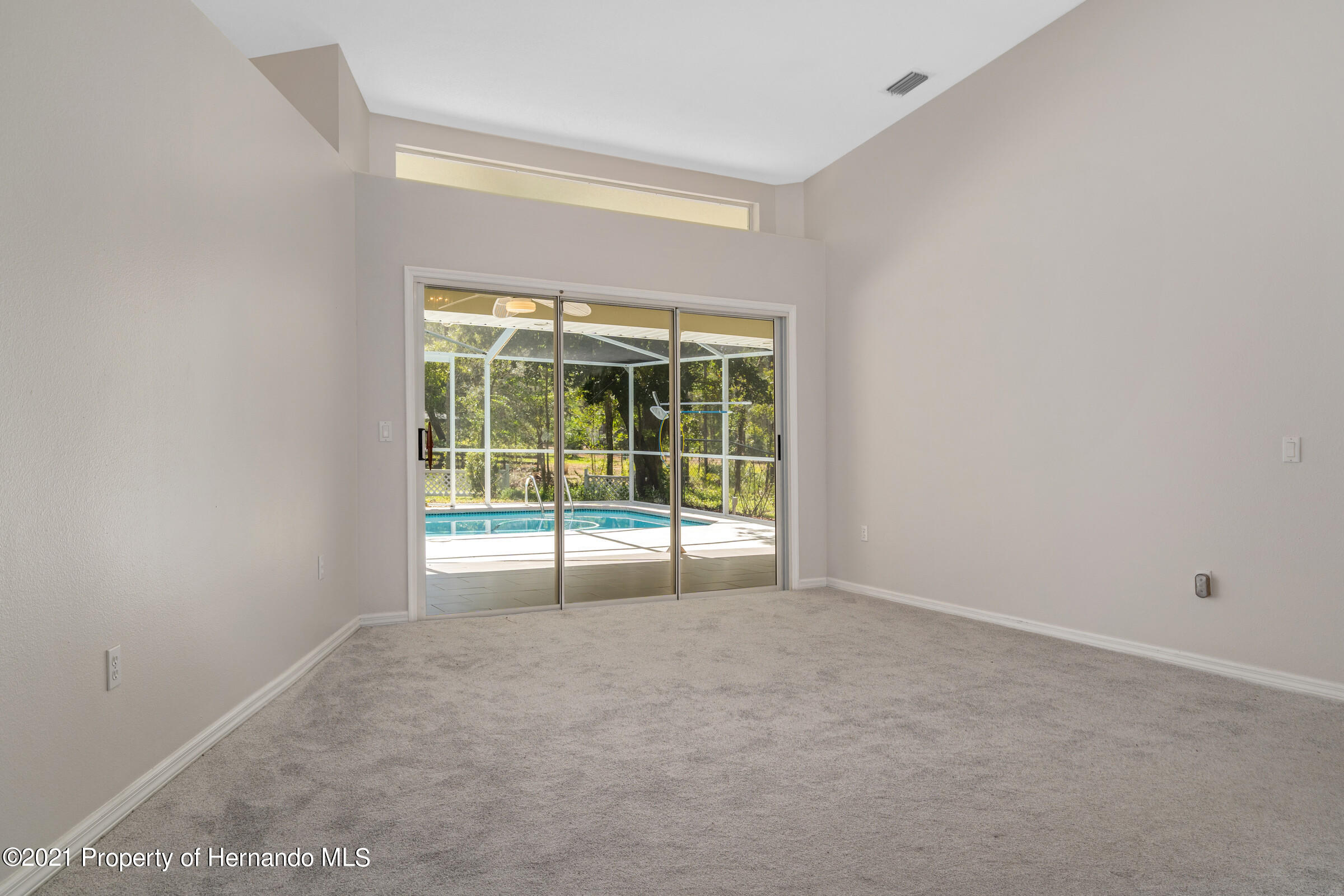 Listing photo id 15 for 4985 N Pink Poppy Drive