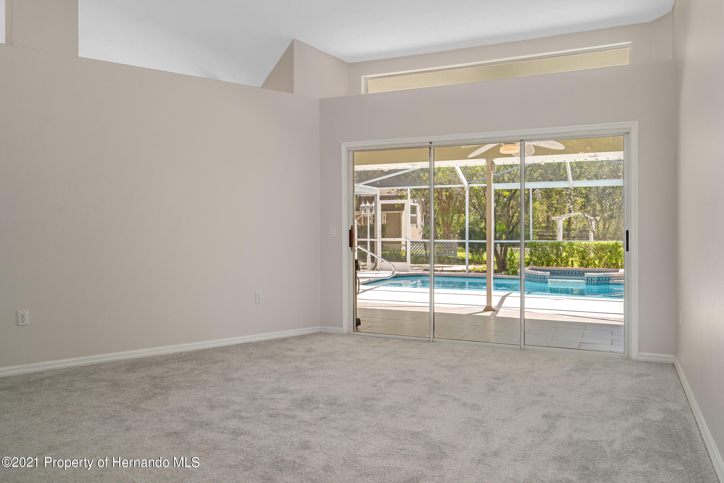 Listing photo id 16 for 4985 N Pink Poppy Drive