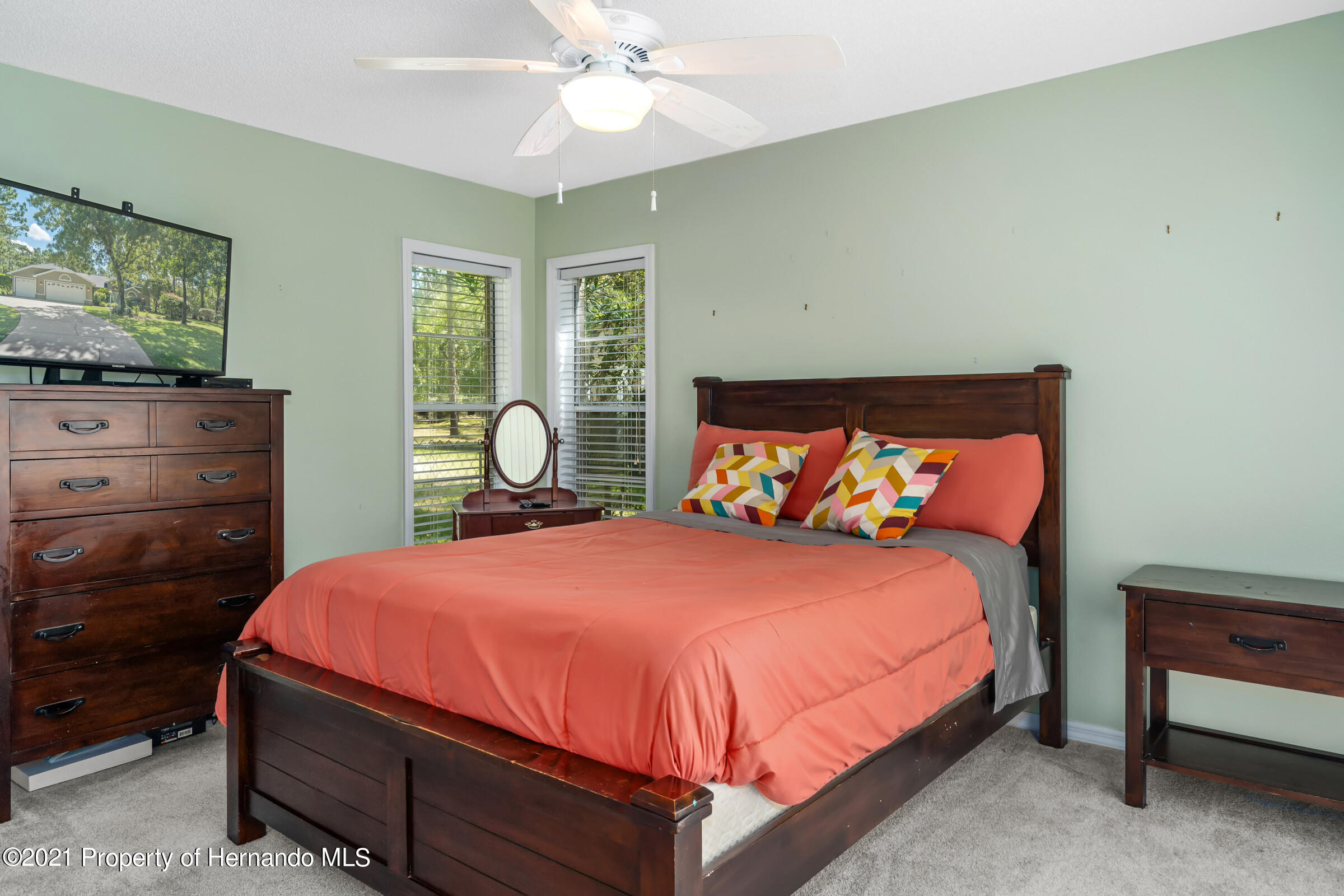 Listing photo id 32 for 4985 N Pink Poppy Drive