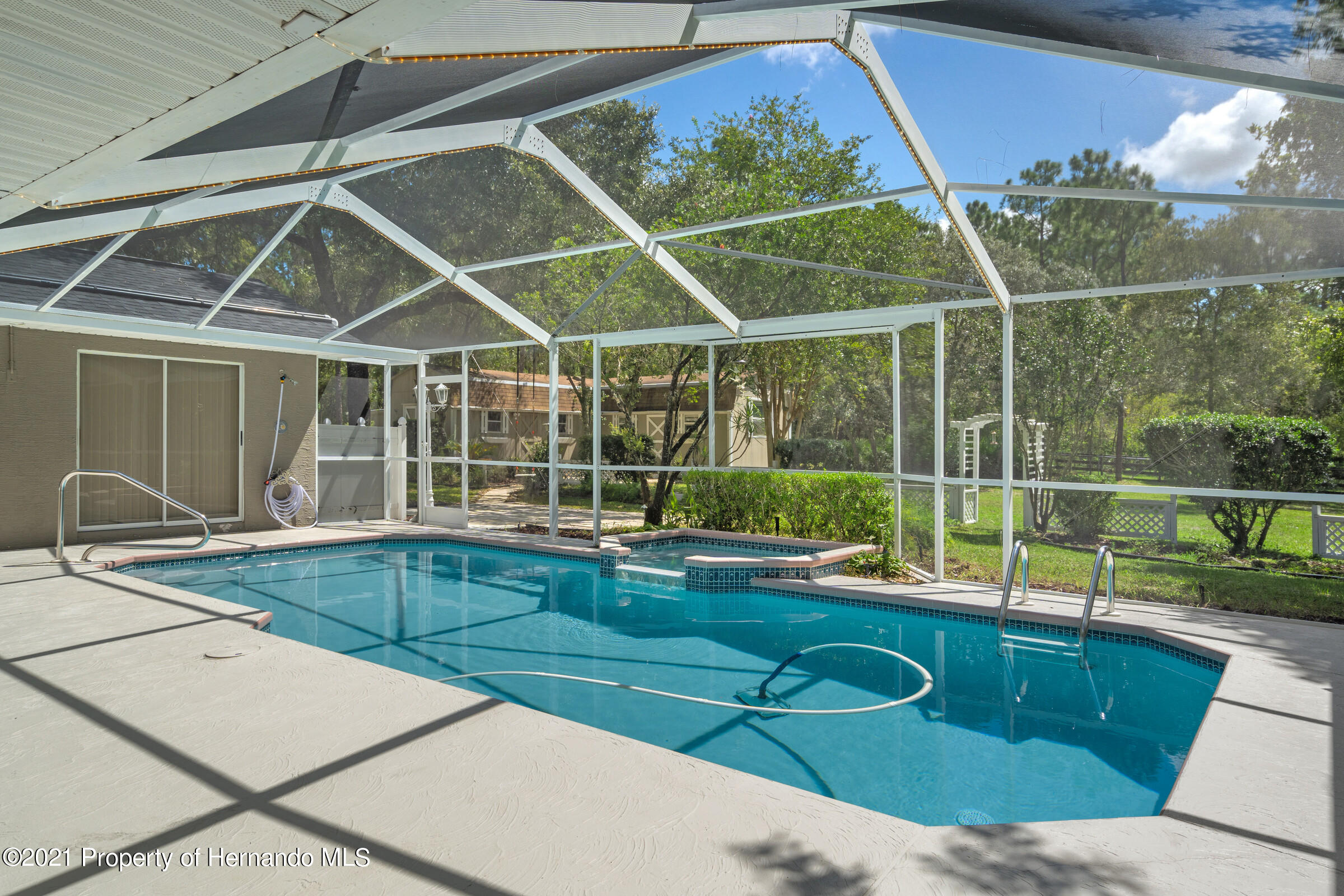 Listing photo id 38 for 4985 N Pink Poppy Drive