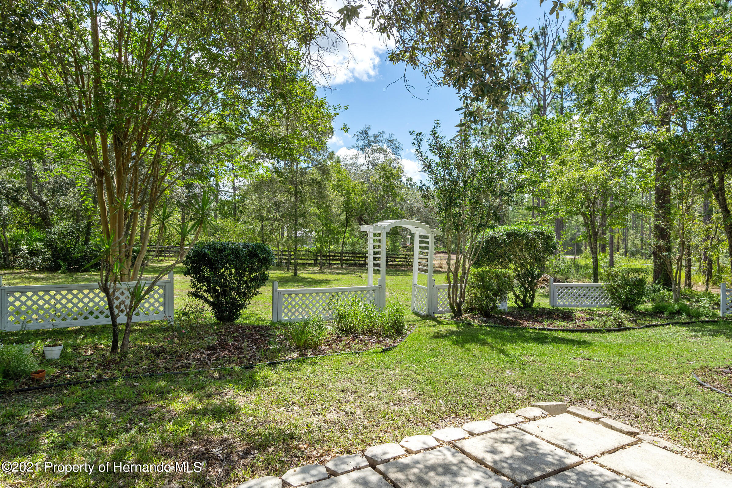 Listing photo id 44 for 4985 N Pink Poppy Drive