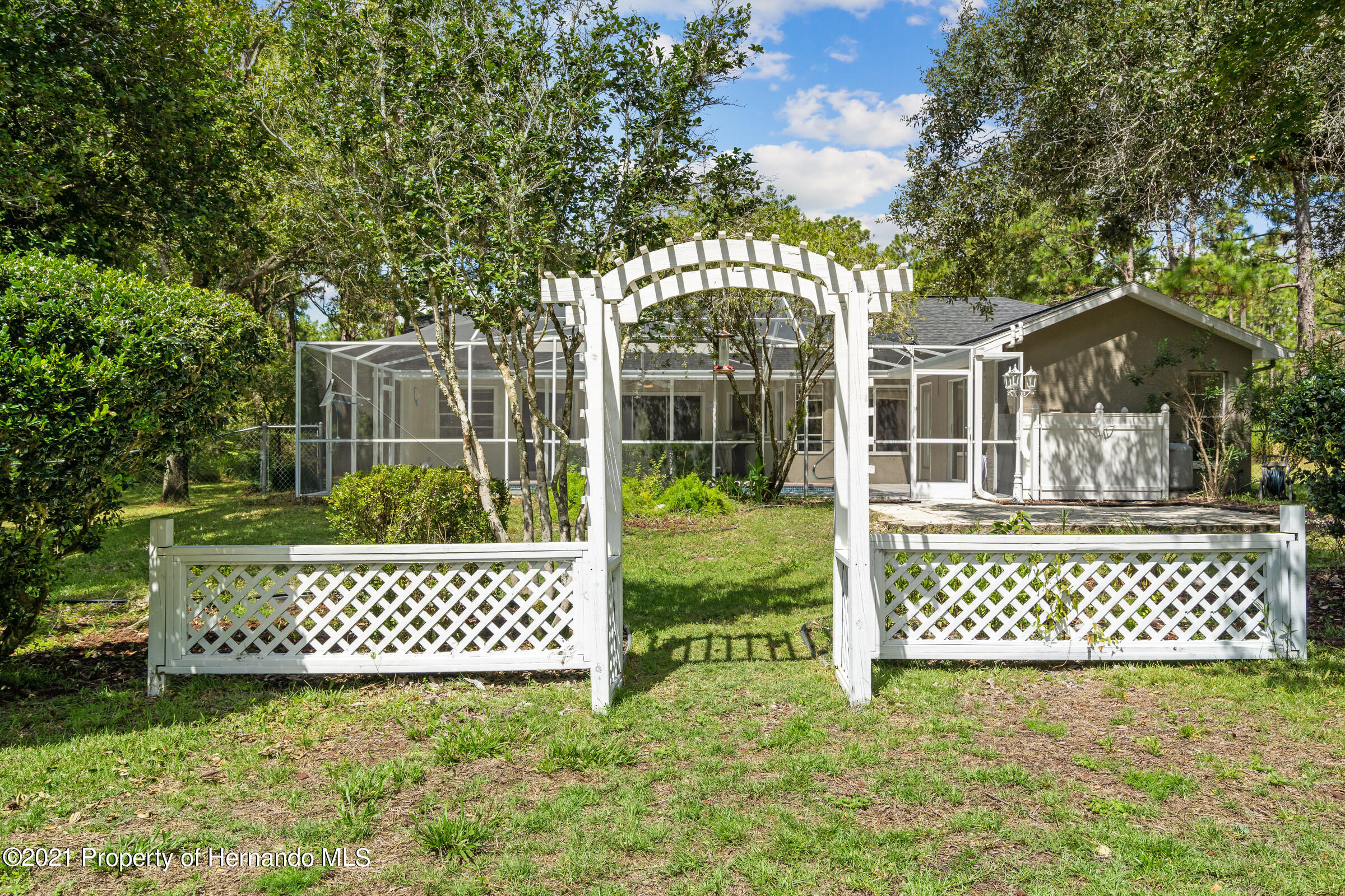 Listing photo id 40 for 4985 N Pink Poppy Drive