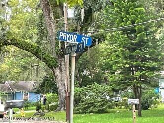 Listing photo id 2 for 221 Highland Street