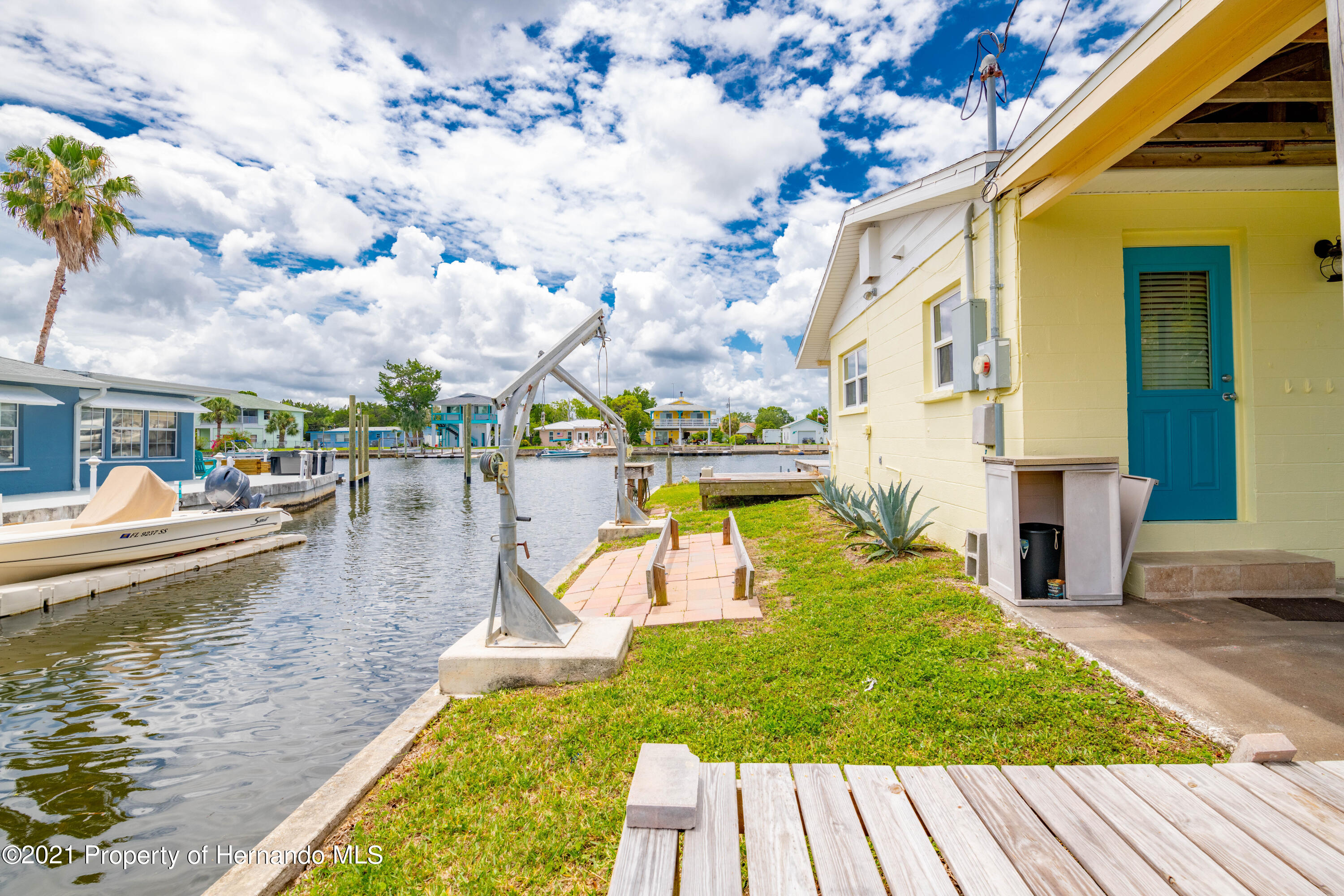 Listing photo id 13 for 3484 Eagle Nest Drive