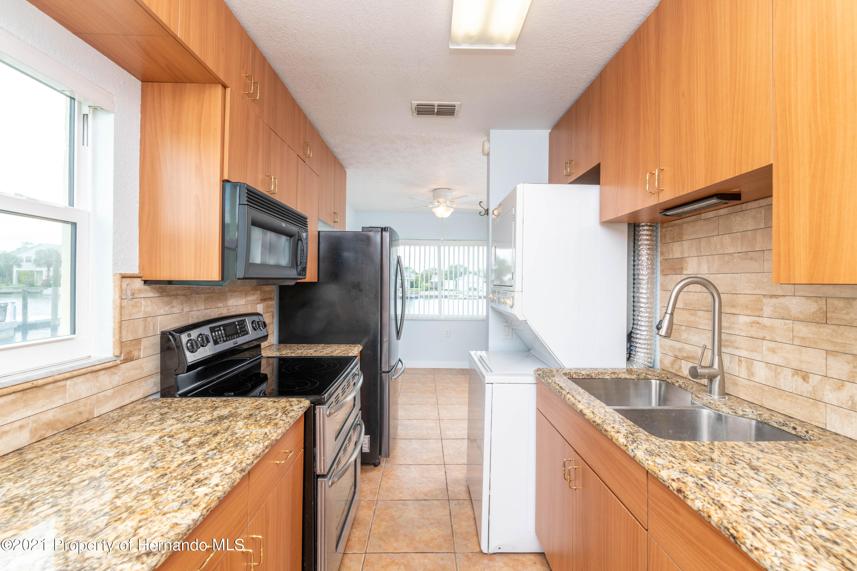 Listing photo id 14 for 3484 Eagle Nest Drive