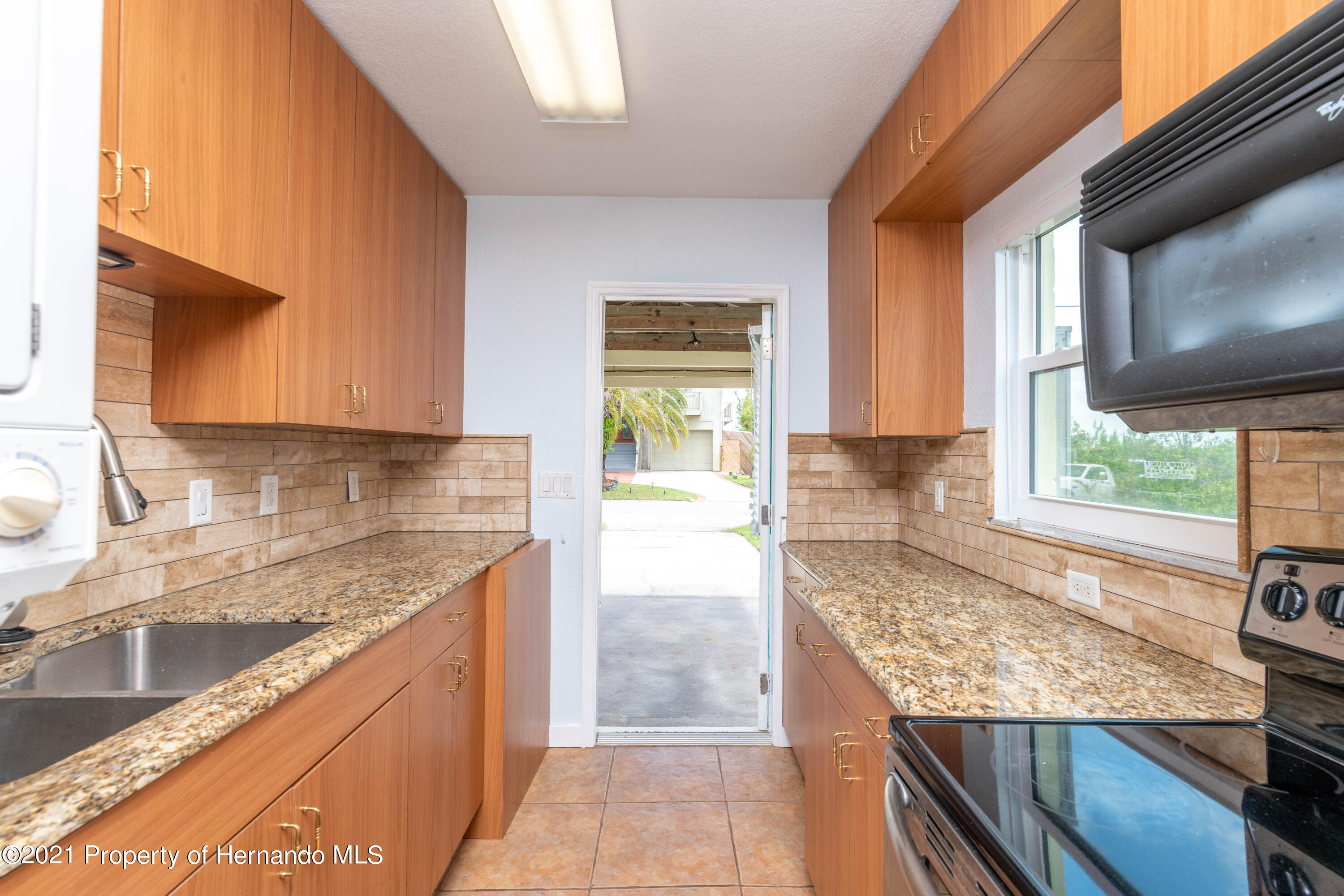 Listing photo id 15 for 3484 Eagle Nest Drive