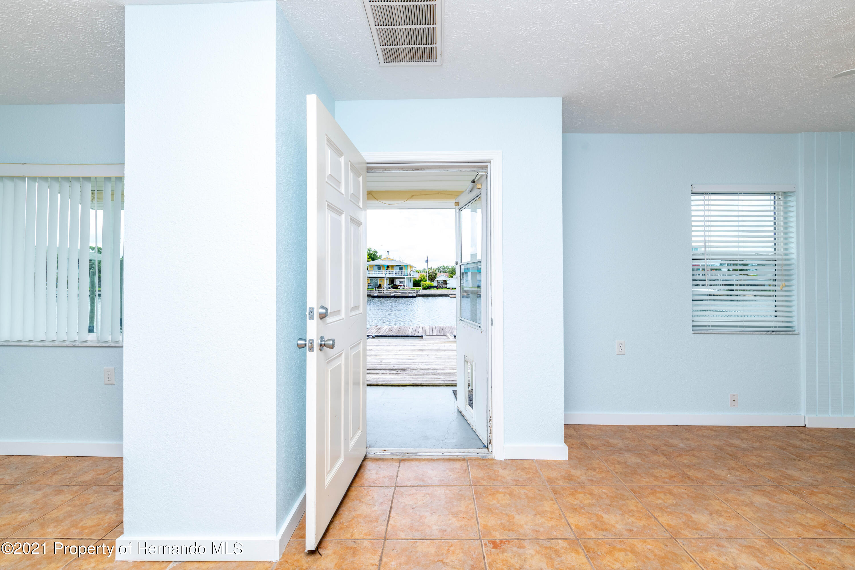 Listing photo id 8 for 3484 Eagle Nest Drive