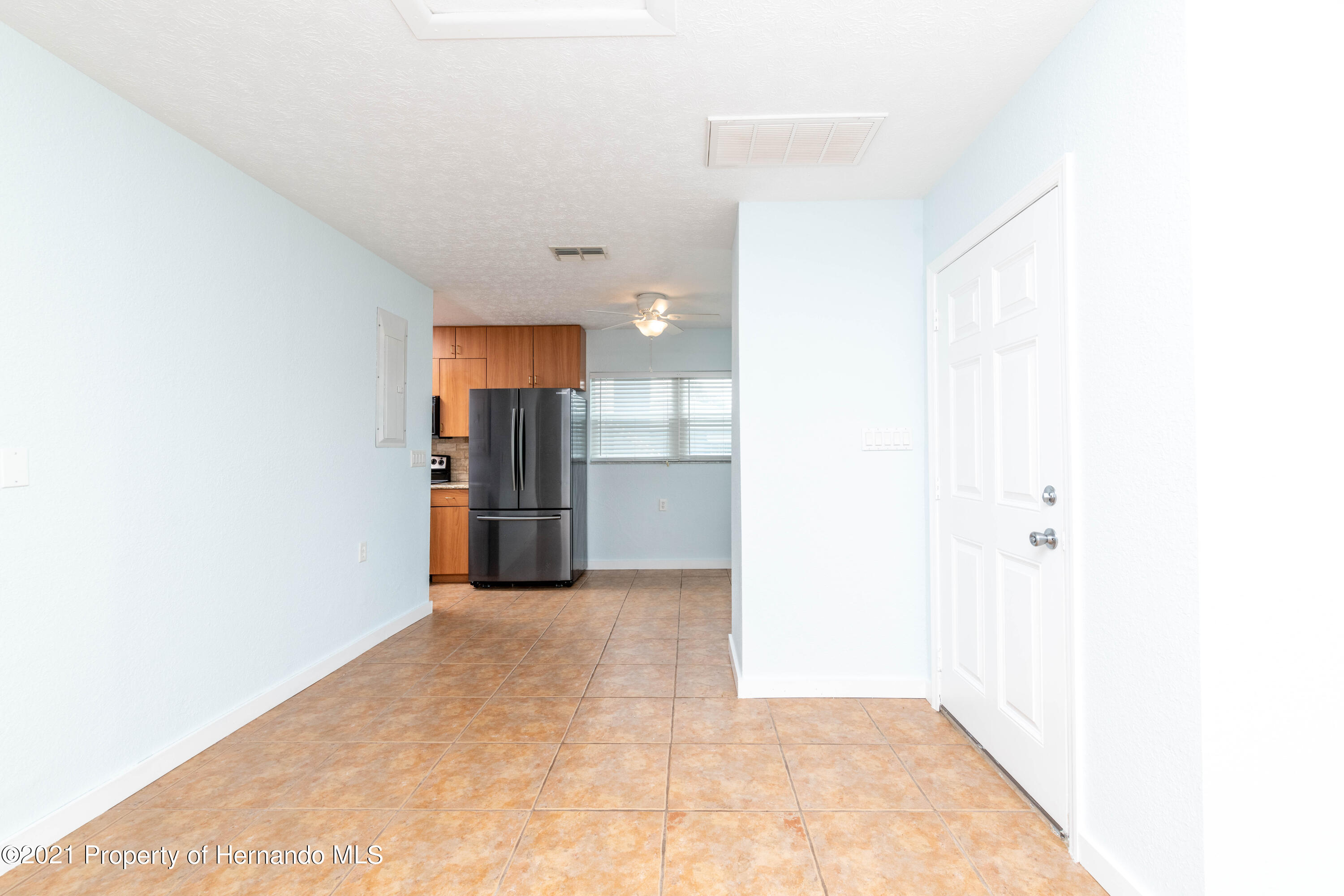 Listing photo id 11 for 3484 Eagle Nest Drive