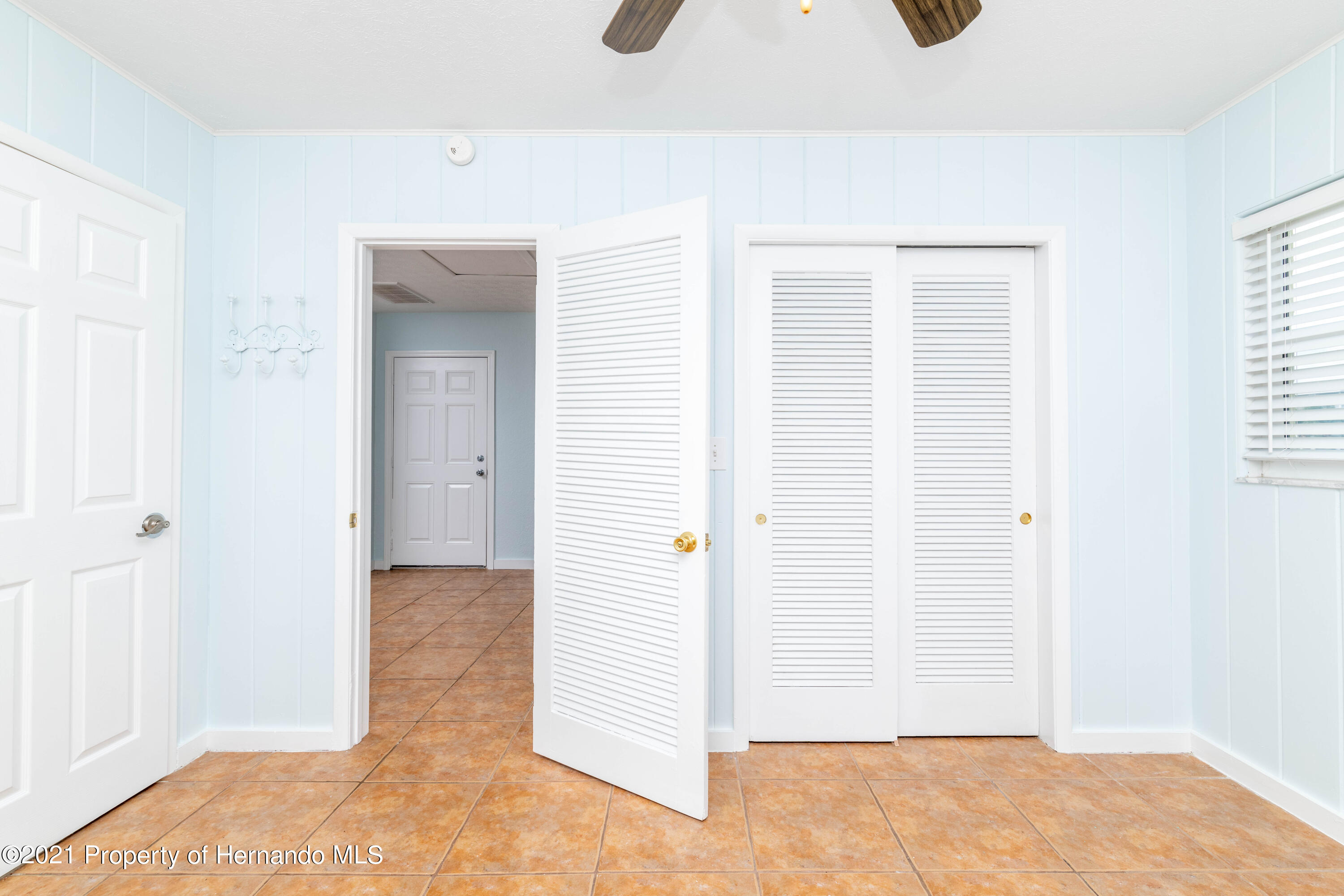 Listing photo id 18 for 3484 Eagle Nest Drive