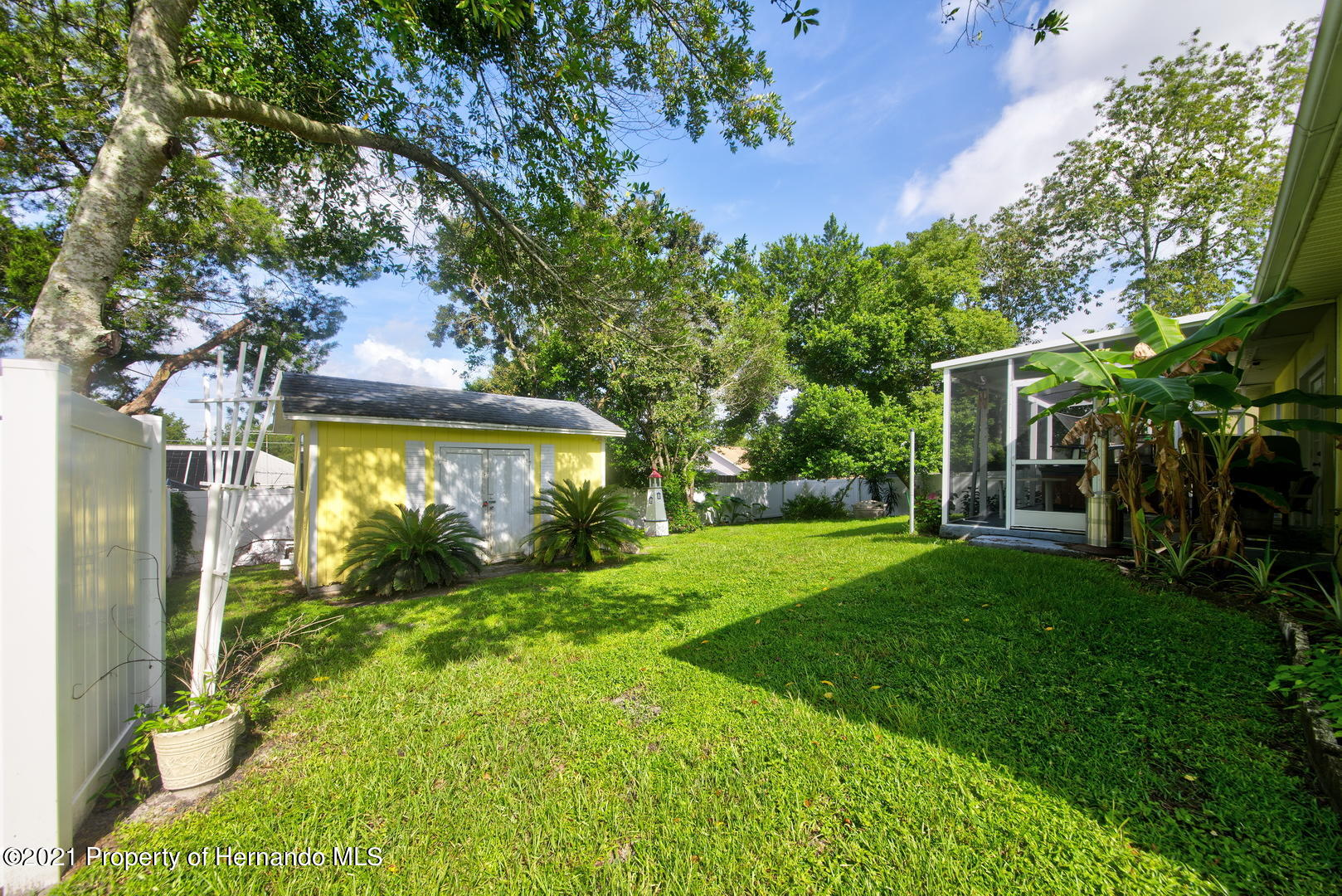 Listing photo id 35 for 6089 Mountain Way Avenue