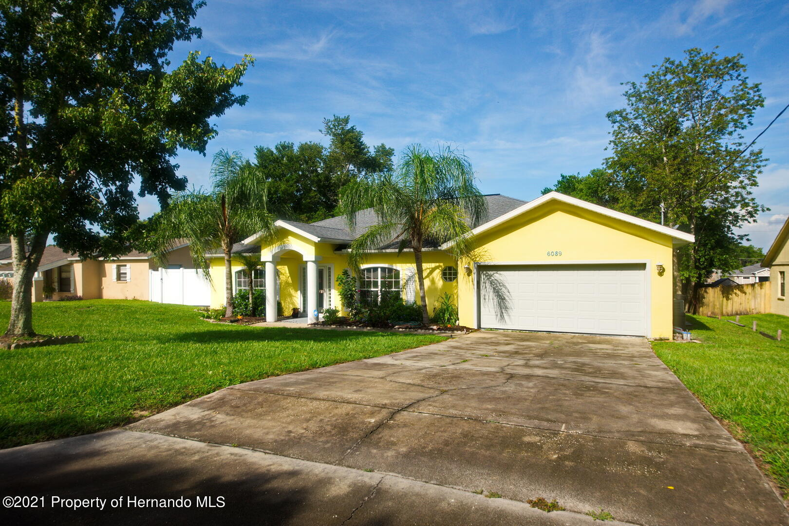 Listing photo id 2 for 6089 Mountain Way Avenue