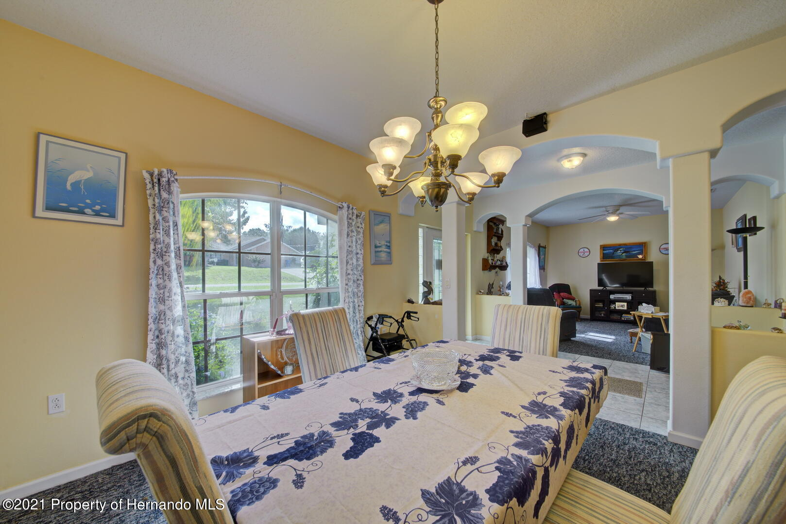 Listing photo id 9 for 6089 Mountain Way Avenue