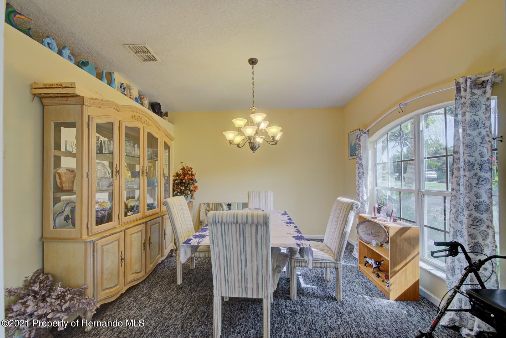 Listing photo id 11 for 6089 Mountain Way Avenue