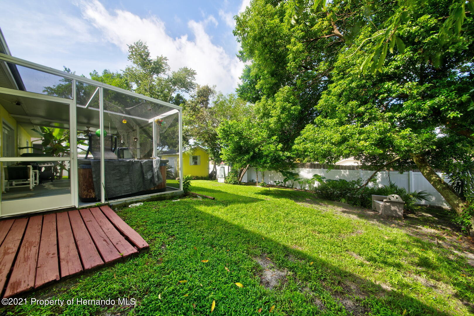 Listing photo id 33 for 6089 Mountain Way Avenue