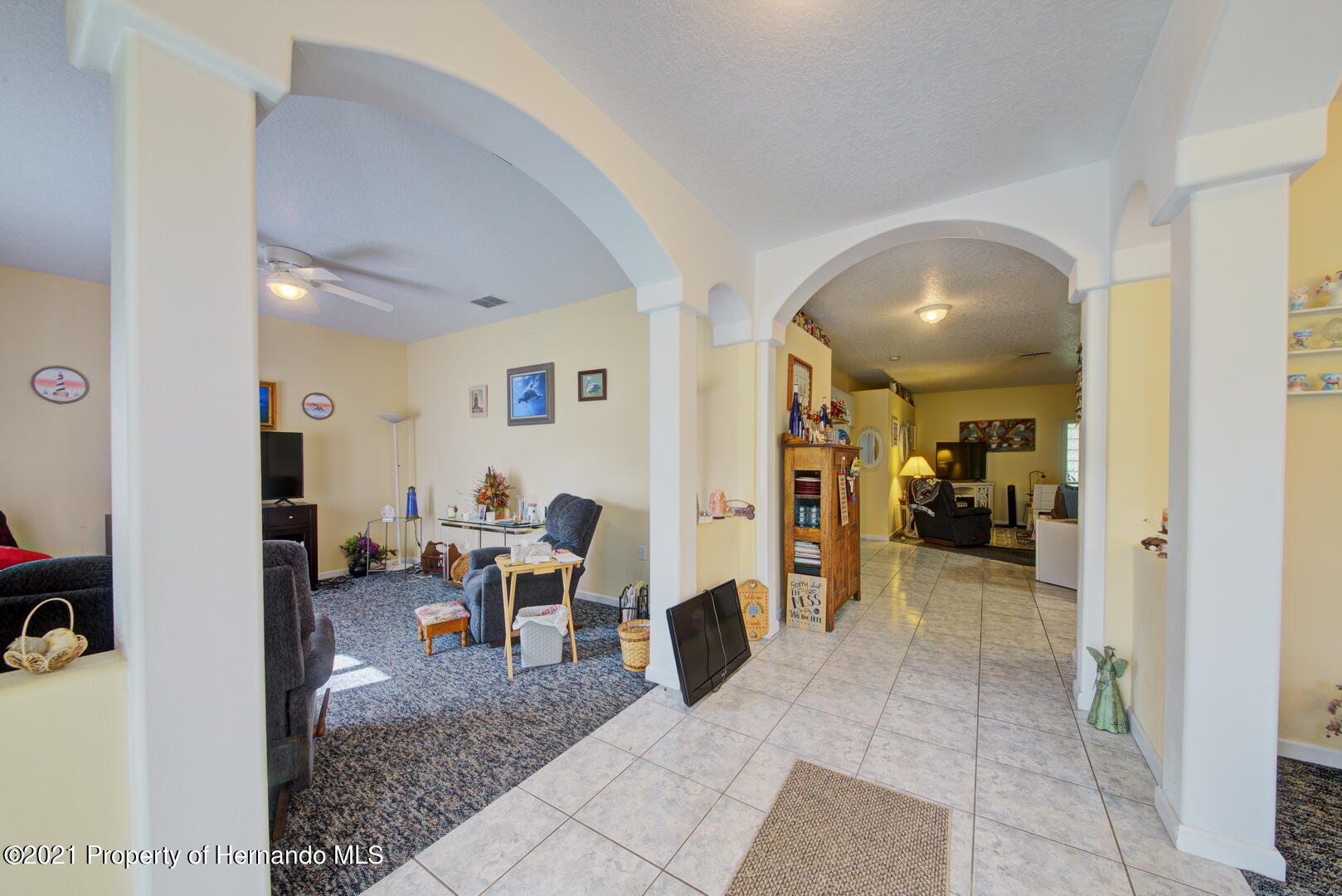 Listing photo id 6 for 6089 Mountain Way Avenue