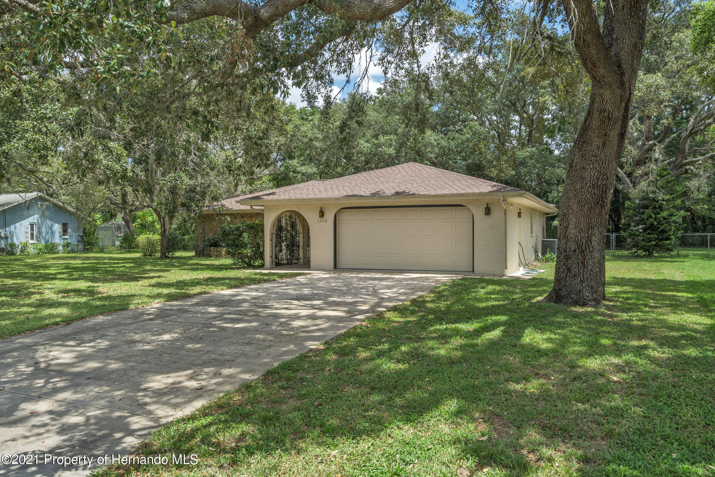 Listing photo id 2 for 1548 Meadow Lark Road