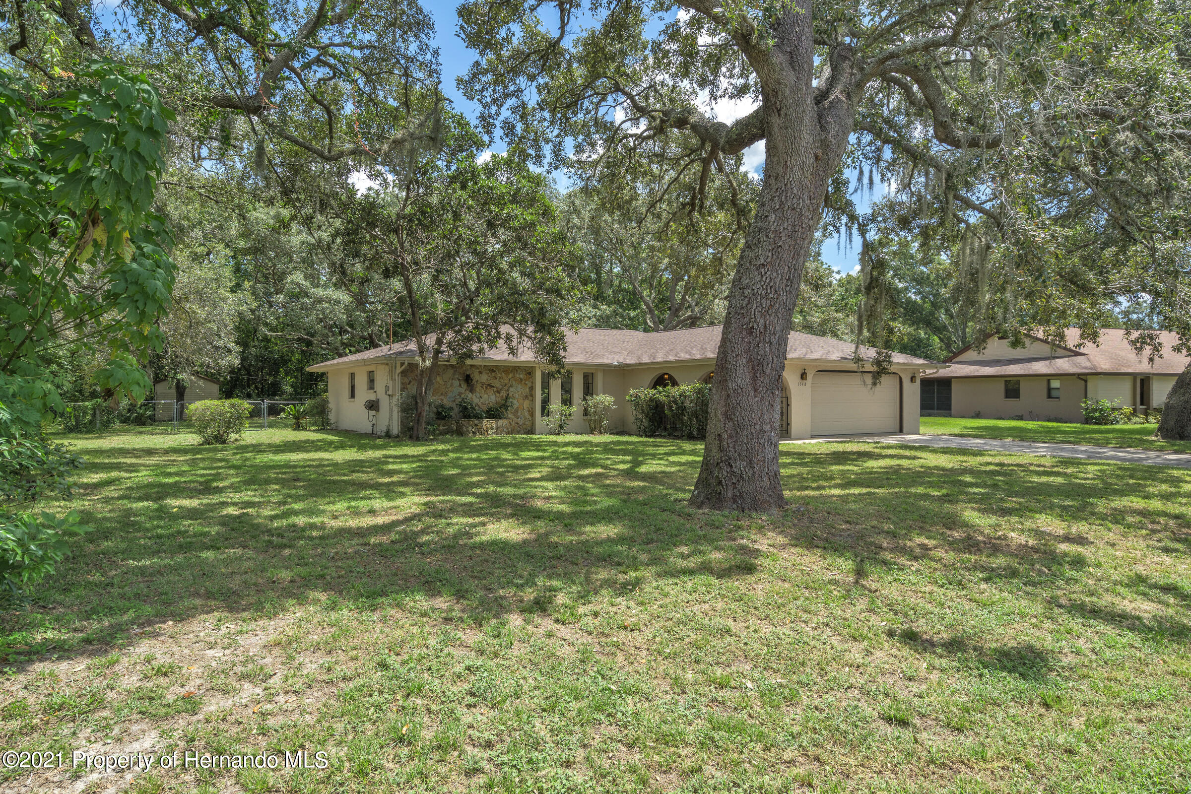 Listing photo id 4 for 1548 Meadow Lark Road
