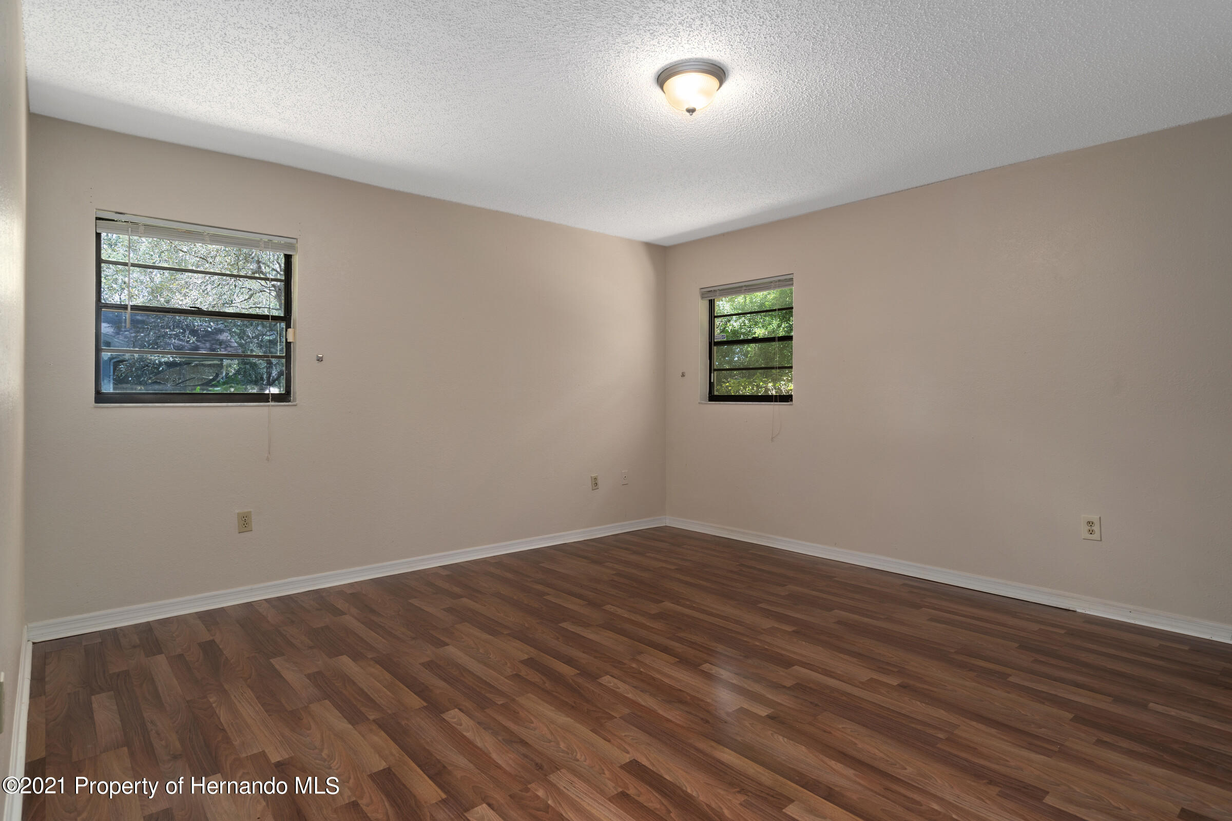 Listing photo id 18 for 1548 Meadow Lark Road