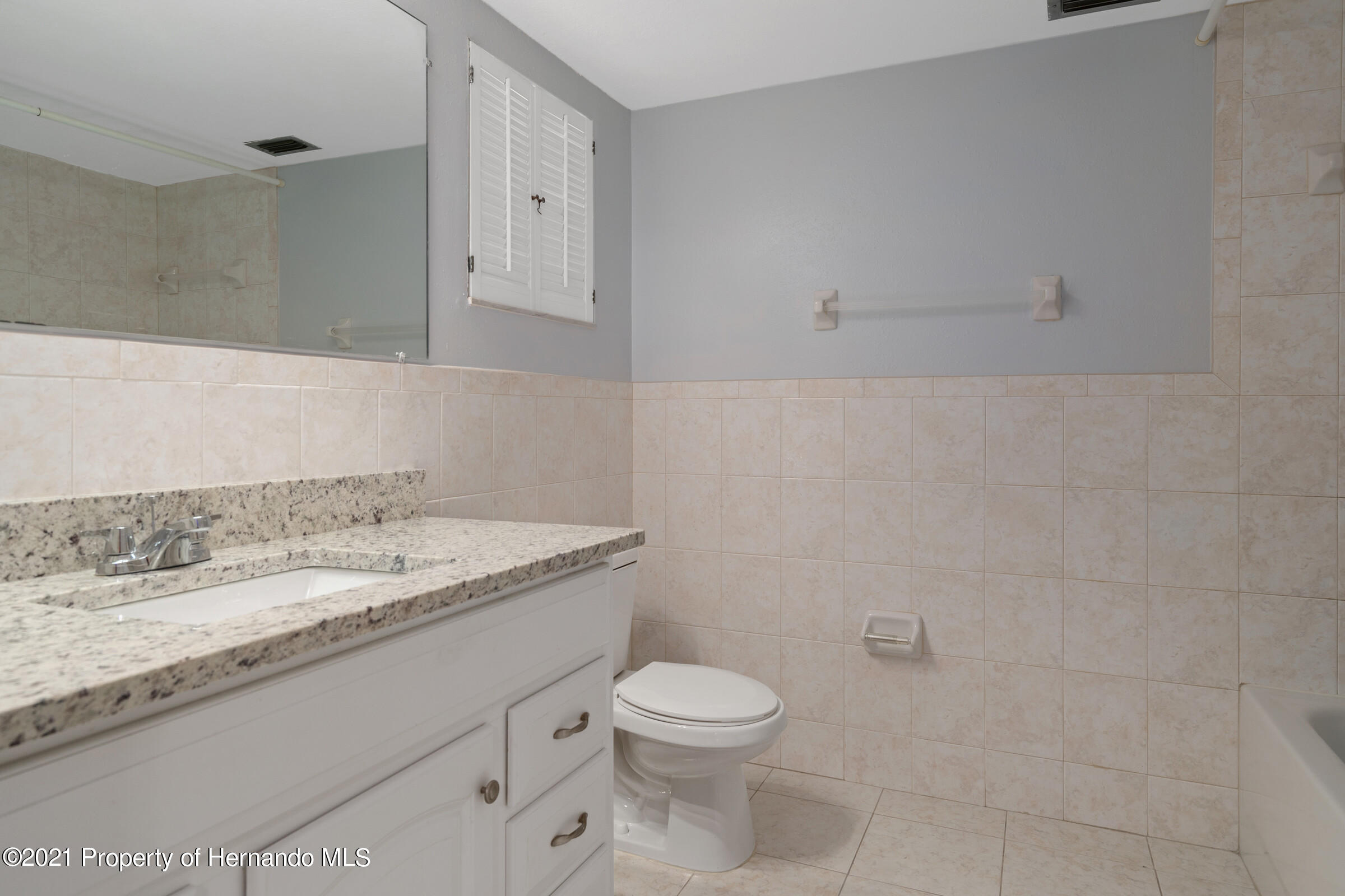 Listing photo id 20 for 1548 Meadow Lark Road