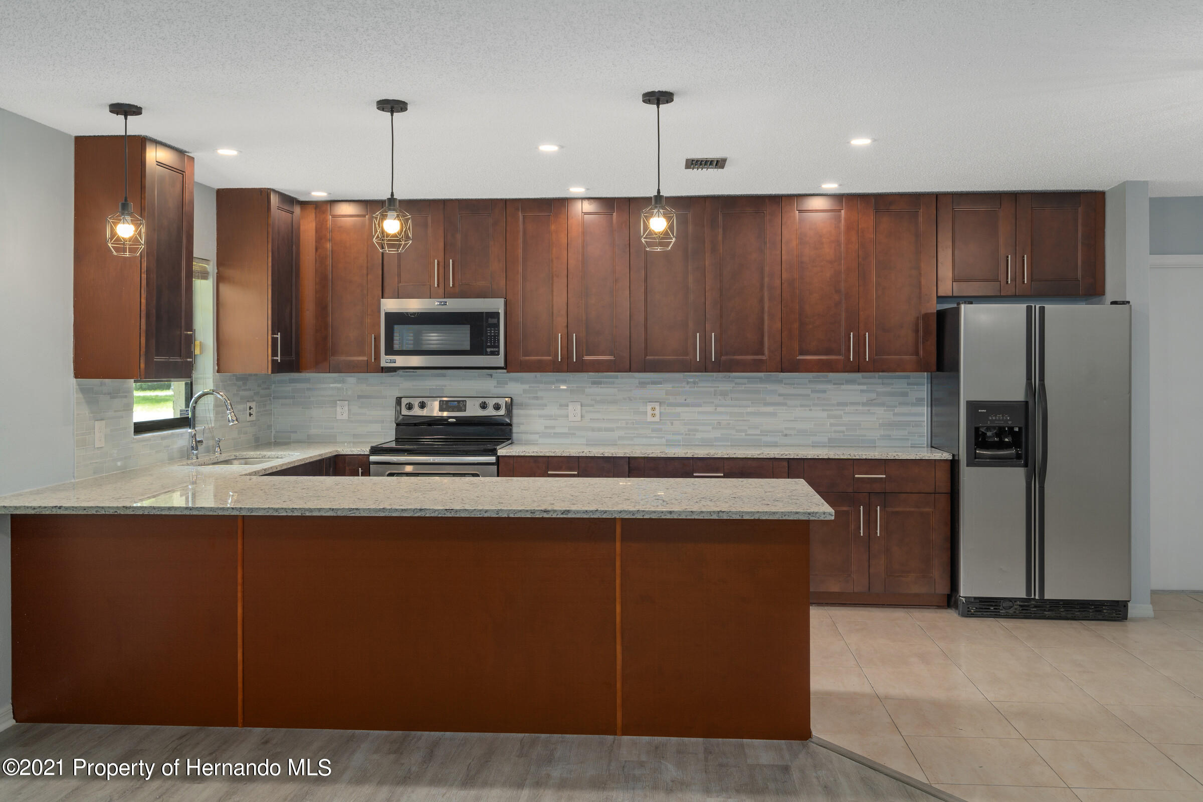 Listing photo id 9 for 1548 Meadow Lark Road