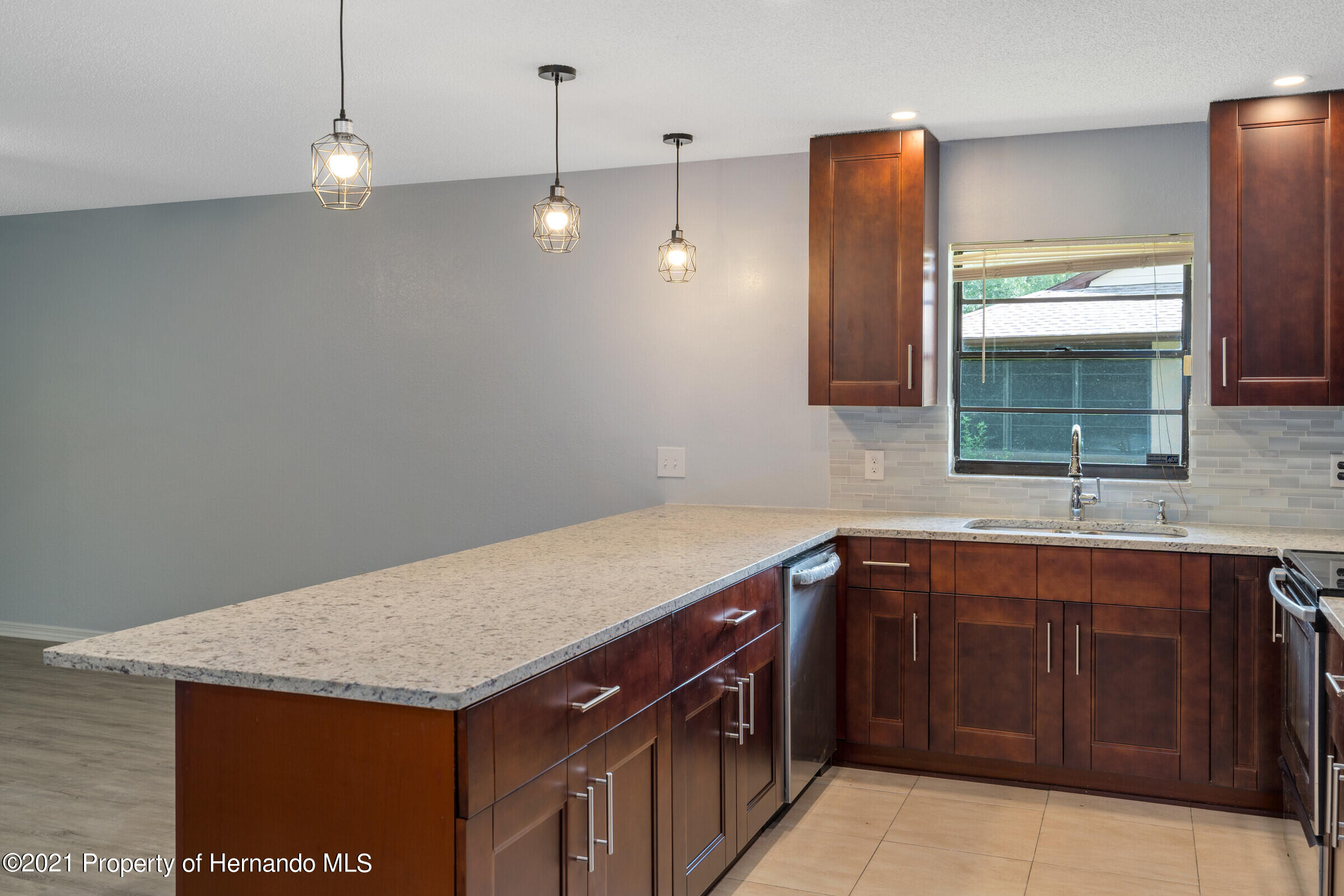 Listing photo id 11 for 1548 Meadow Lark Road