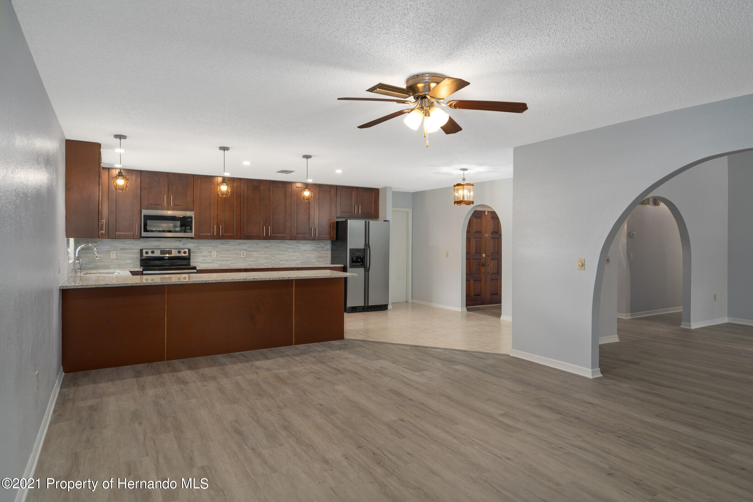 Listing photo id 13 for 1548 Meadow Lark Road