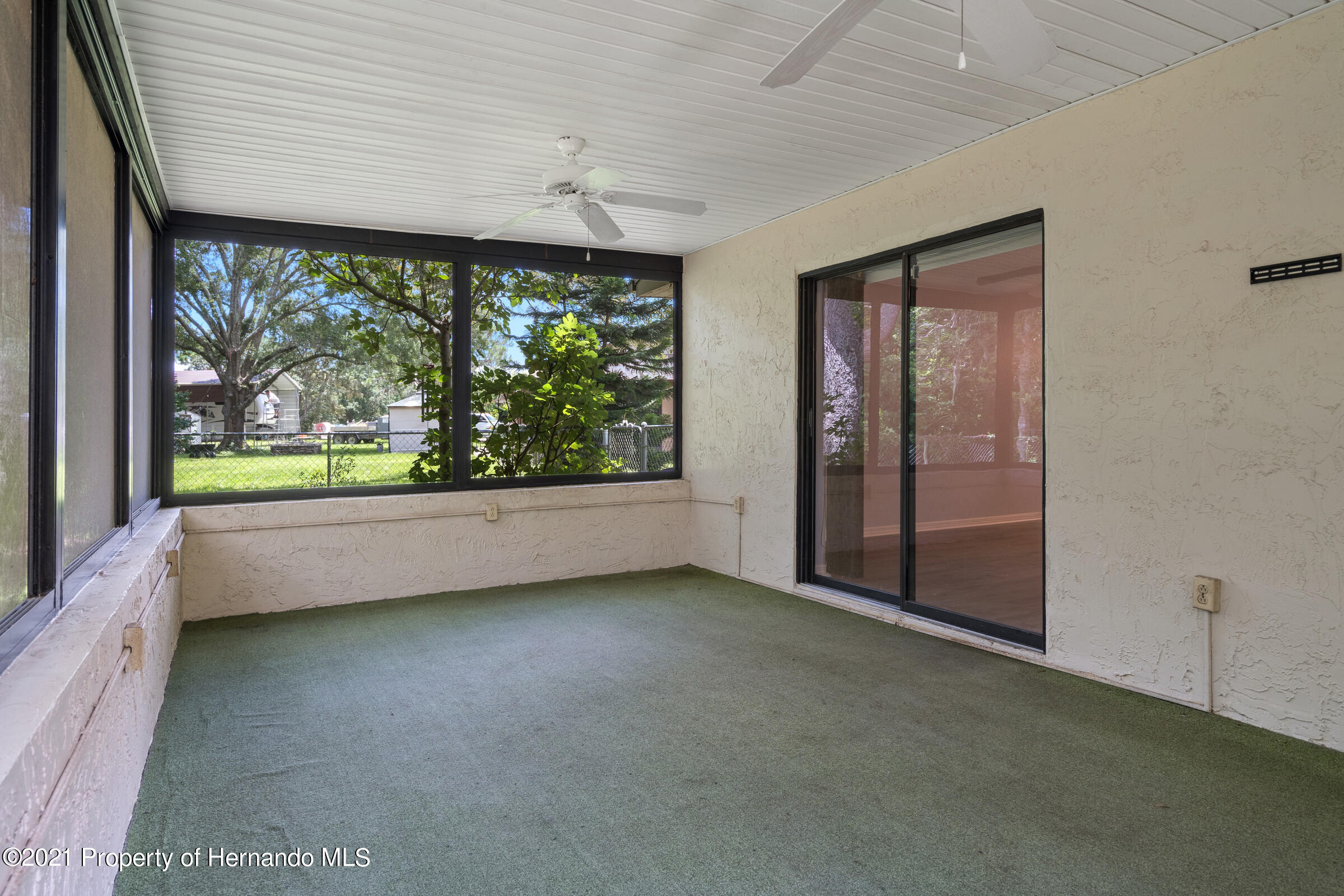 Listing photo id 25 for 1548 Meadow Lark Road