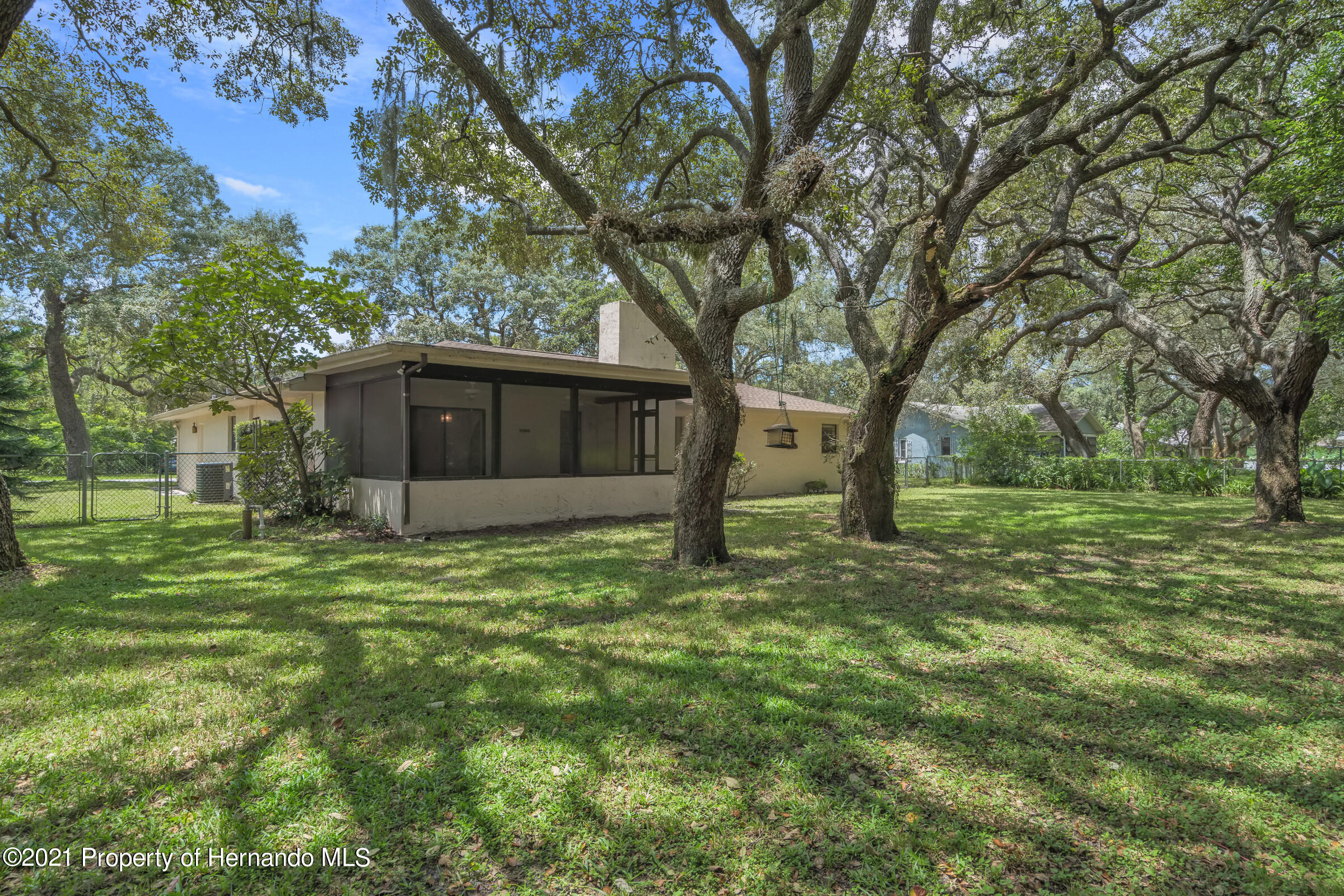 Listing photo id 27 for 1548 Meadow Lark Road