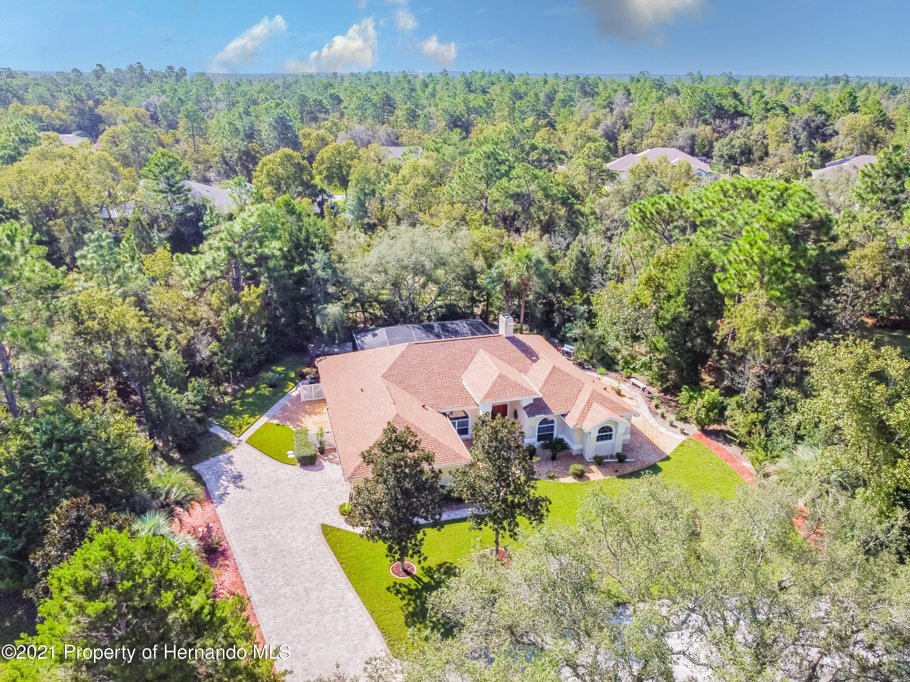 Listing photo id 2 for 38 Carnation Court