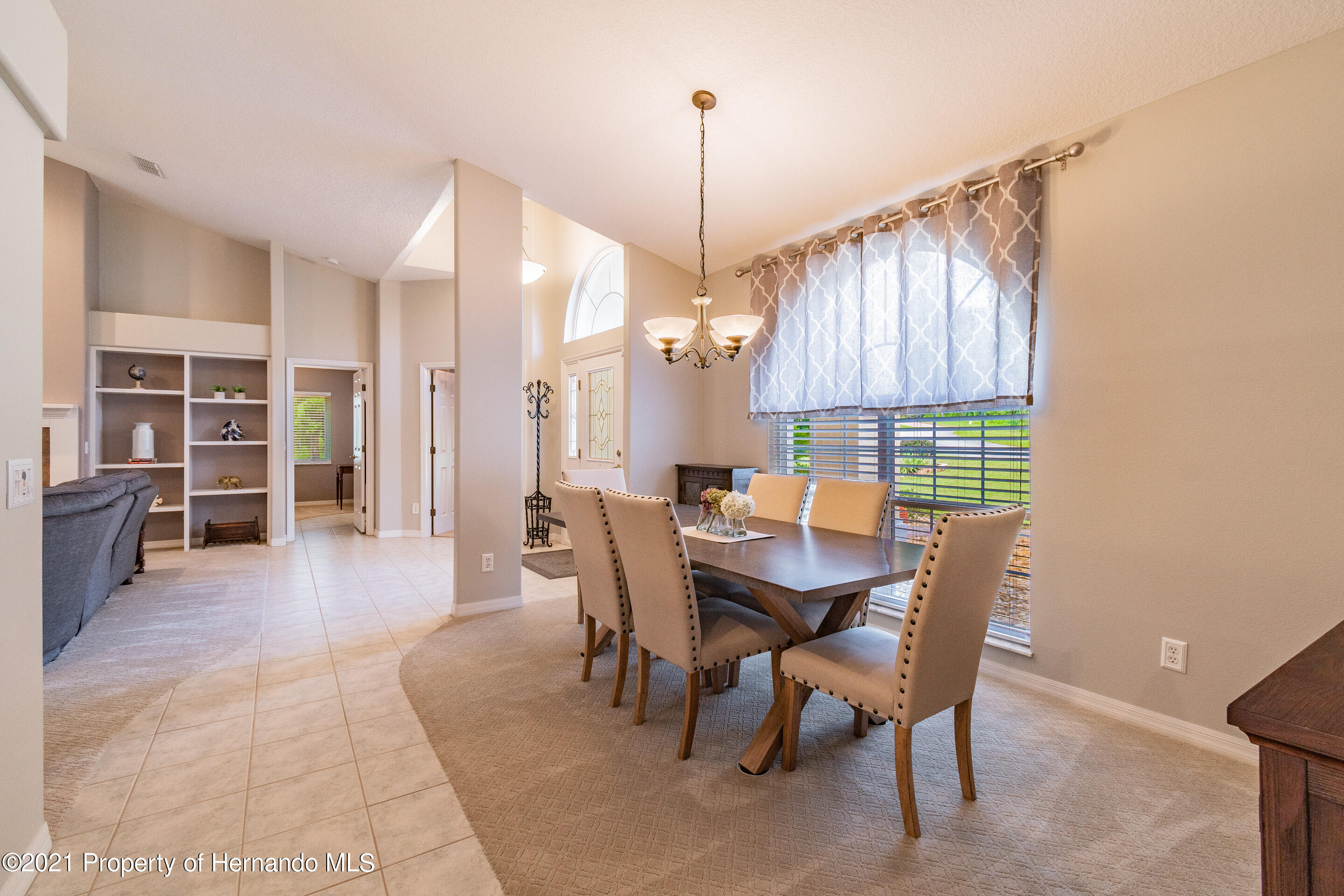 Listing photo id 6 for 38 Carnation Court