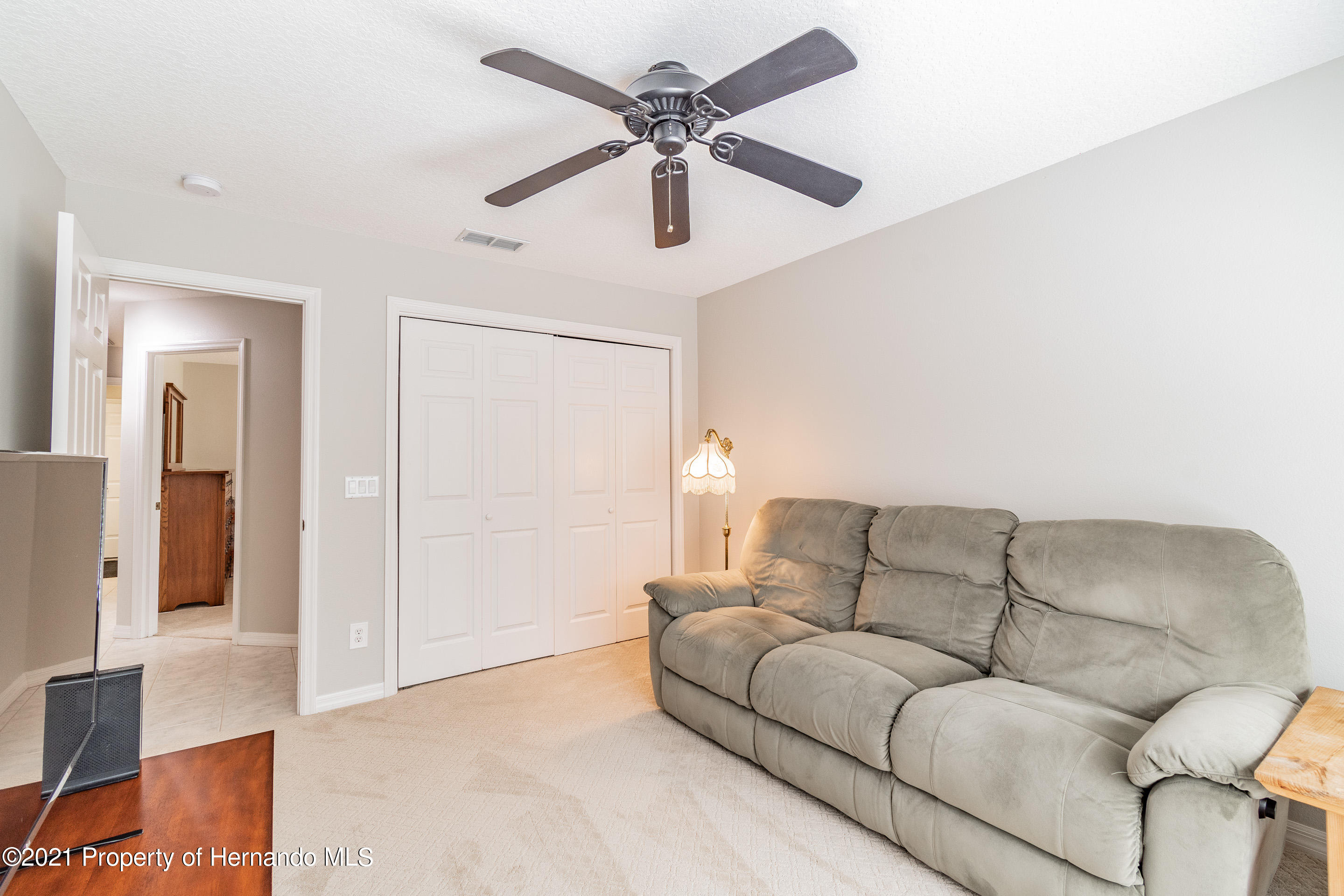 Listing photo id 16 for 38 Carnation Court