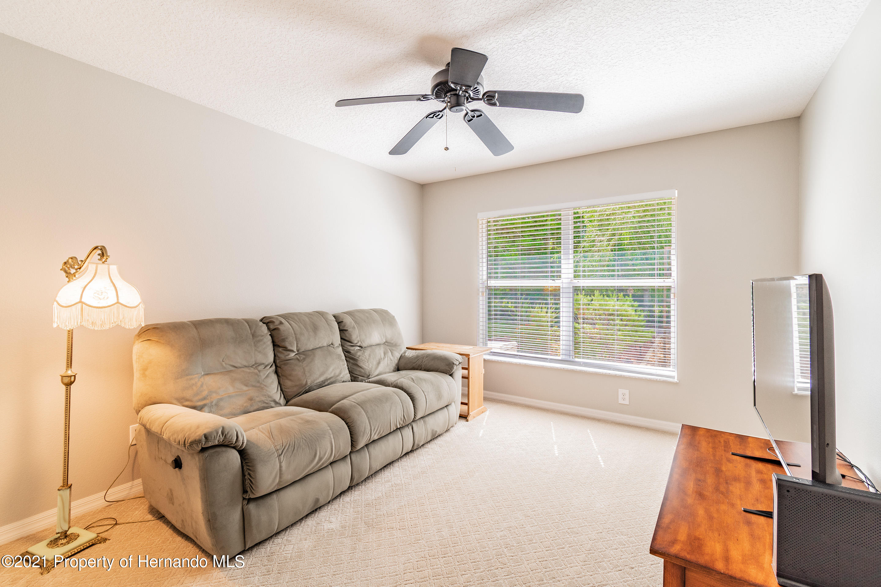 Listing photo id 17 for 38 Carnation Court