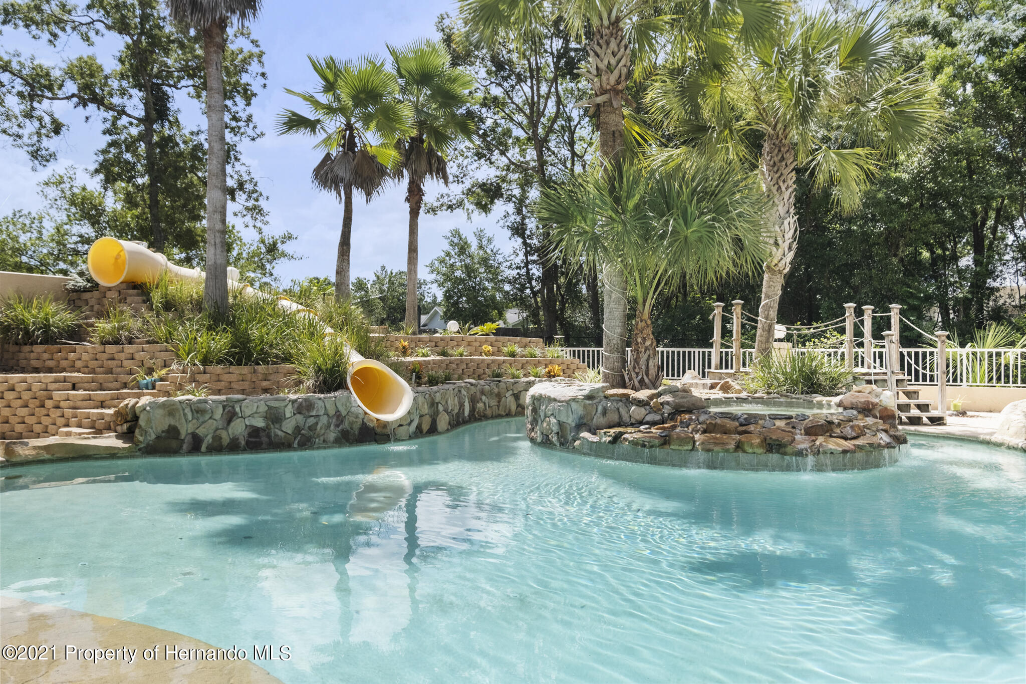 Listing photo id 3 for 12224 Fillmore Street