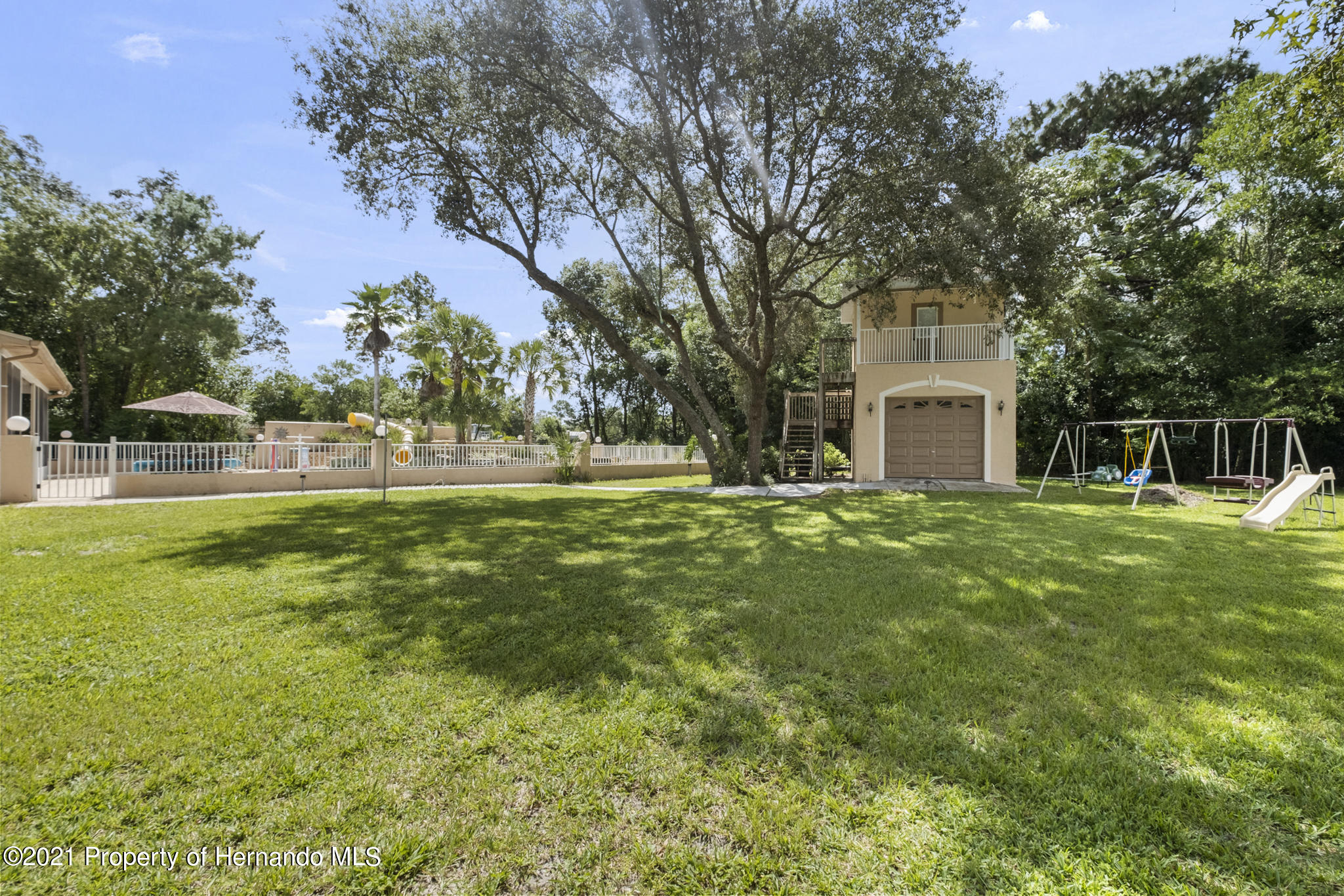 Listing photo id 4 for 12224 Fillmore Street