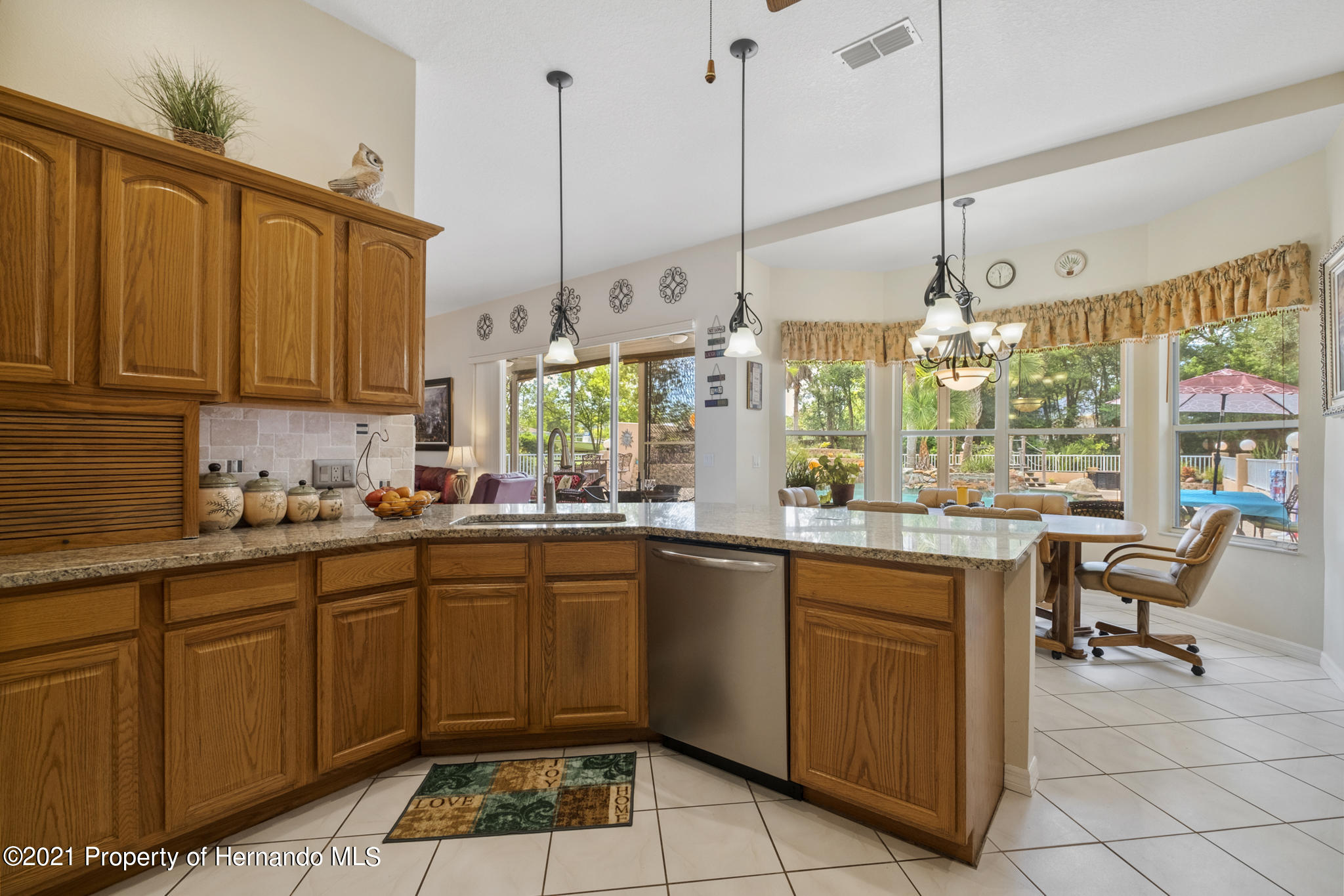 Listing photo id 11 for 12224 Fillmore Street