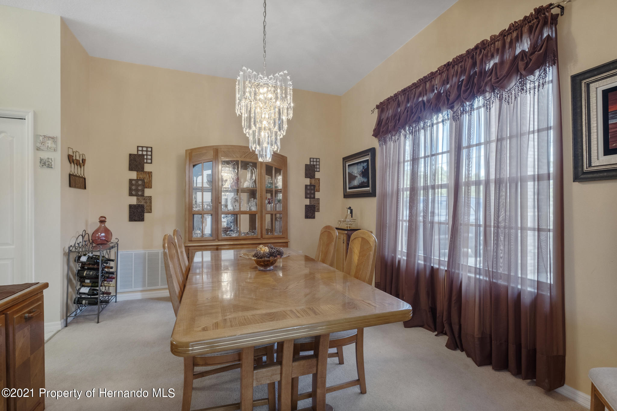 Listing photo id 20 for 12224 Fillmore Street