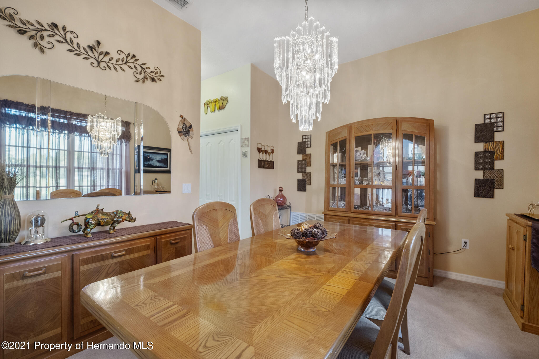 Listing photo id 21 for 12224 Fillmore Street