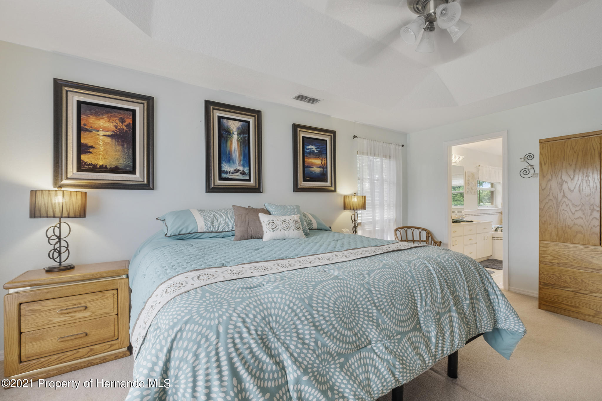 Listing photo id 26 for 12224 Fillmore Street