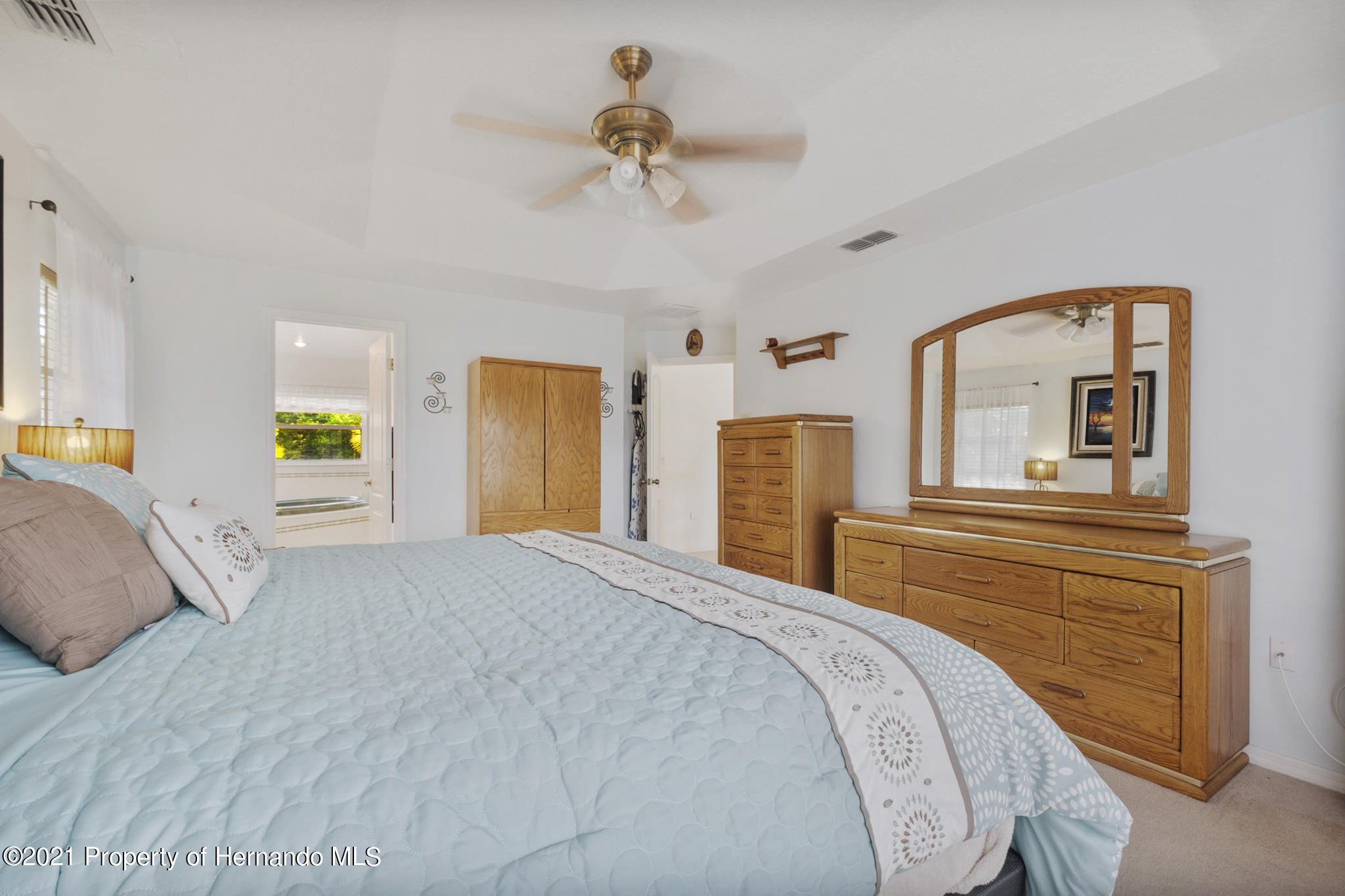 Listing photo id 27 for 12224 Fillmore Street