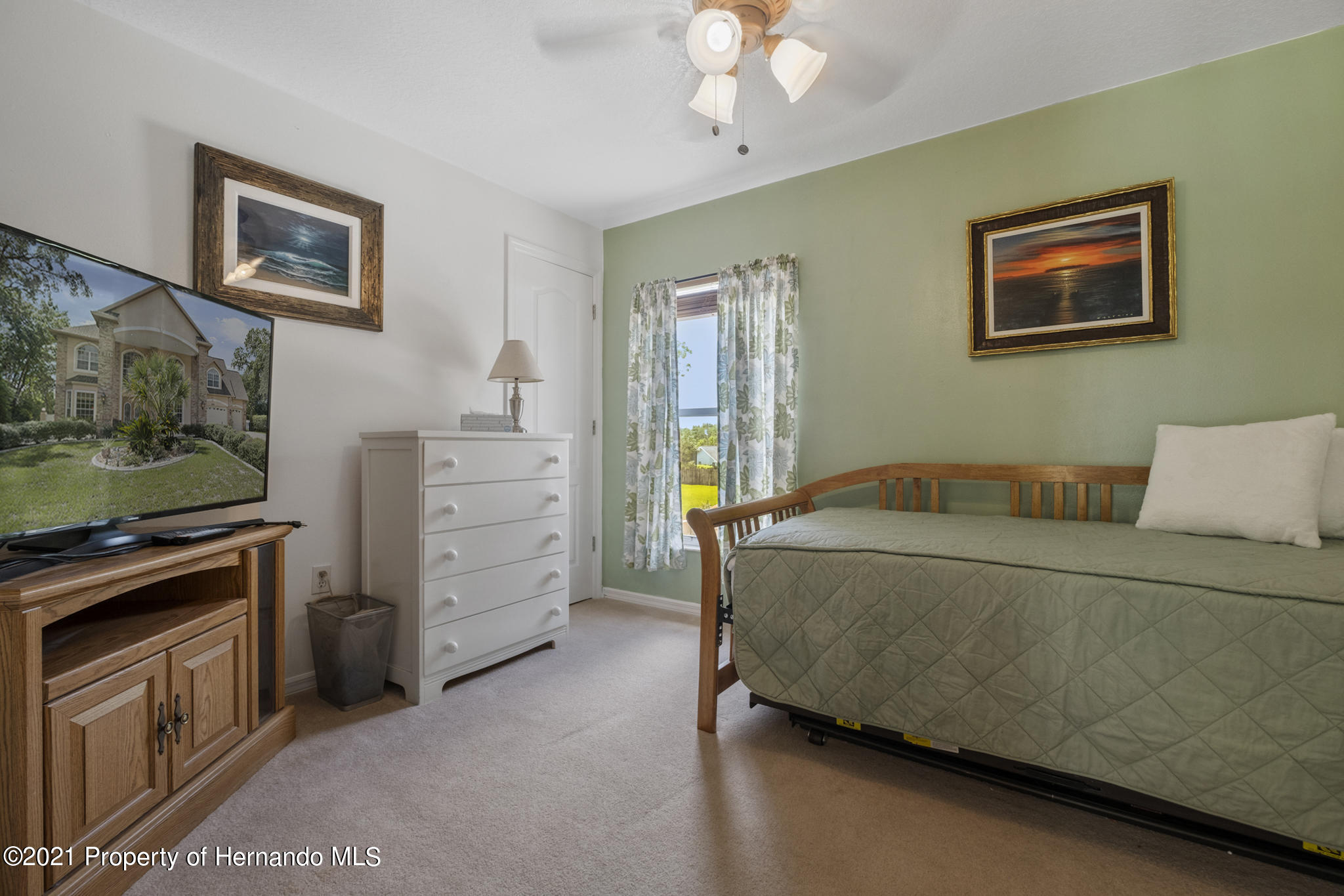 Listing photo id 30 for 12224 Fillmore Street
